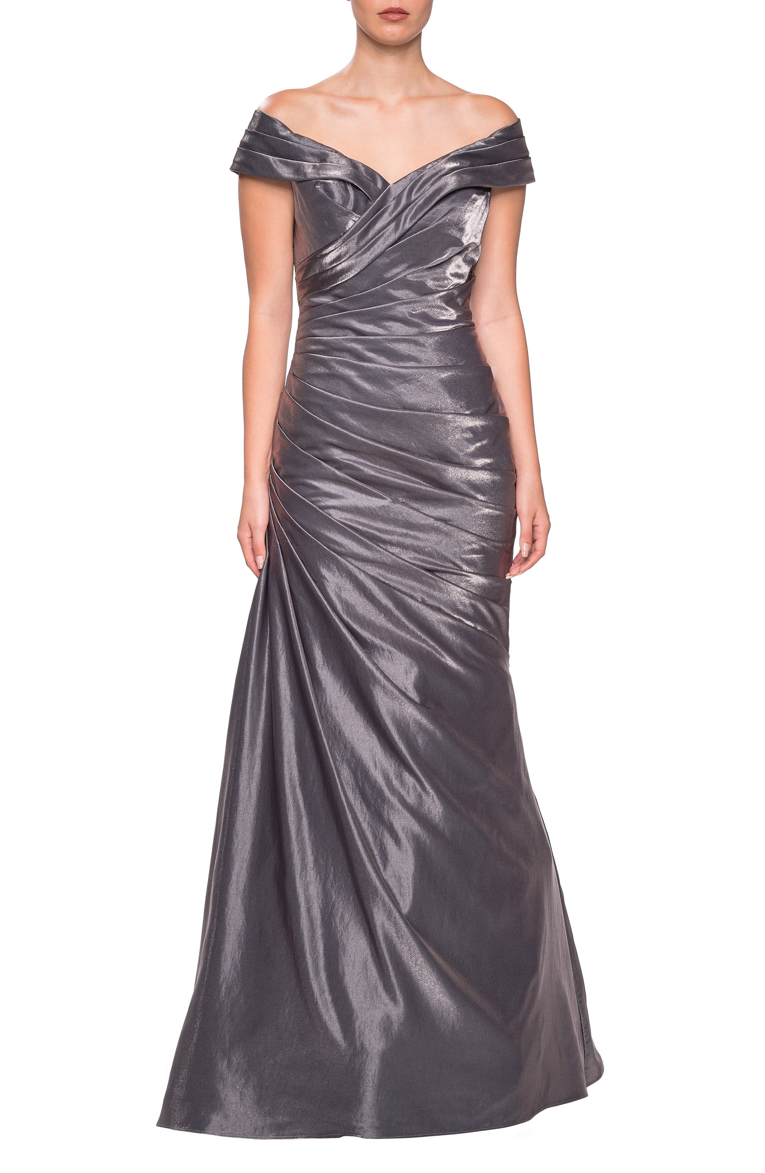 LA FEMME Ruched Two-Tone Satin Gown in Platinum