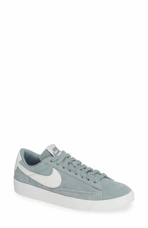 buy popular 4b367 ae7e2 Nike Blazer Low Top Sneaker SD (Women)