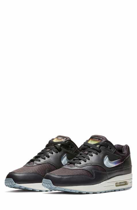 c612551e30aaf Nike Women s Black Shoes and Sneakers
