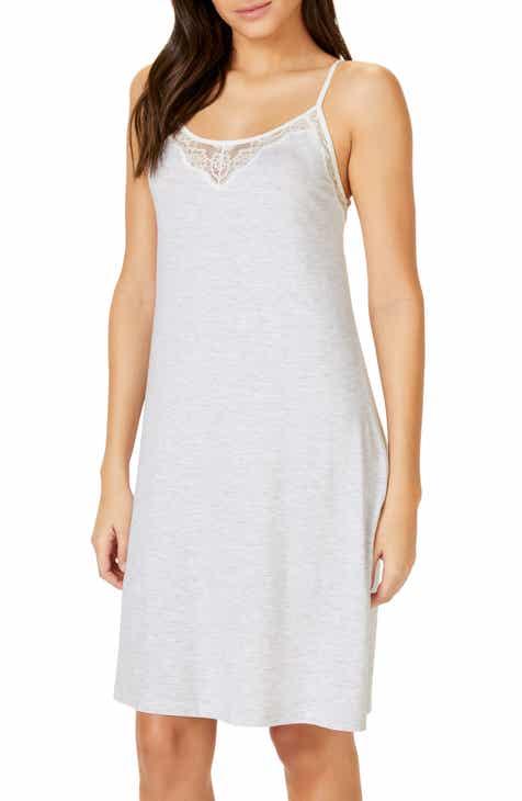 172eeee4e9efc The White Company Eyelash Lace Nightgown