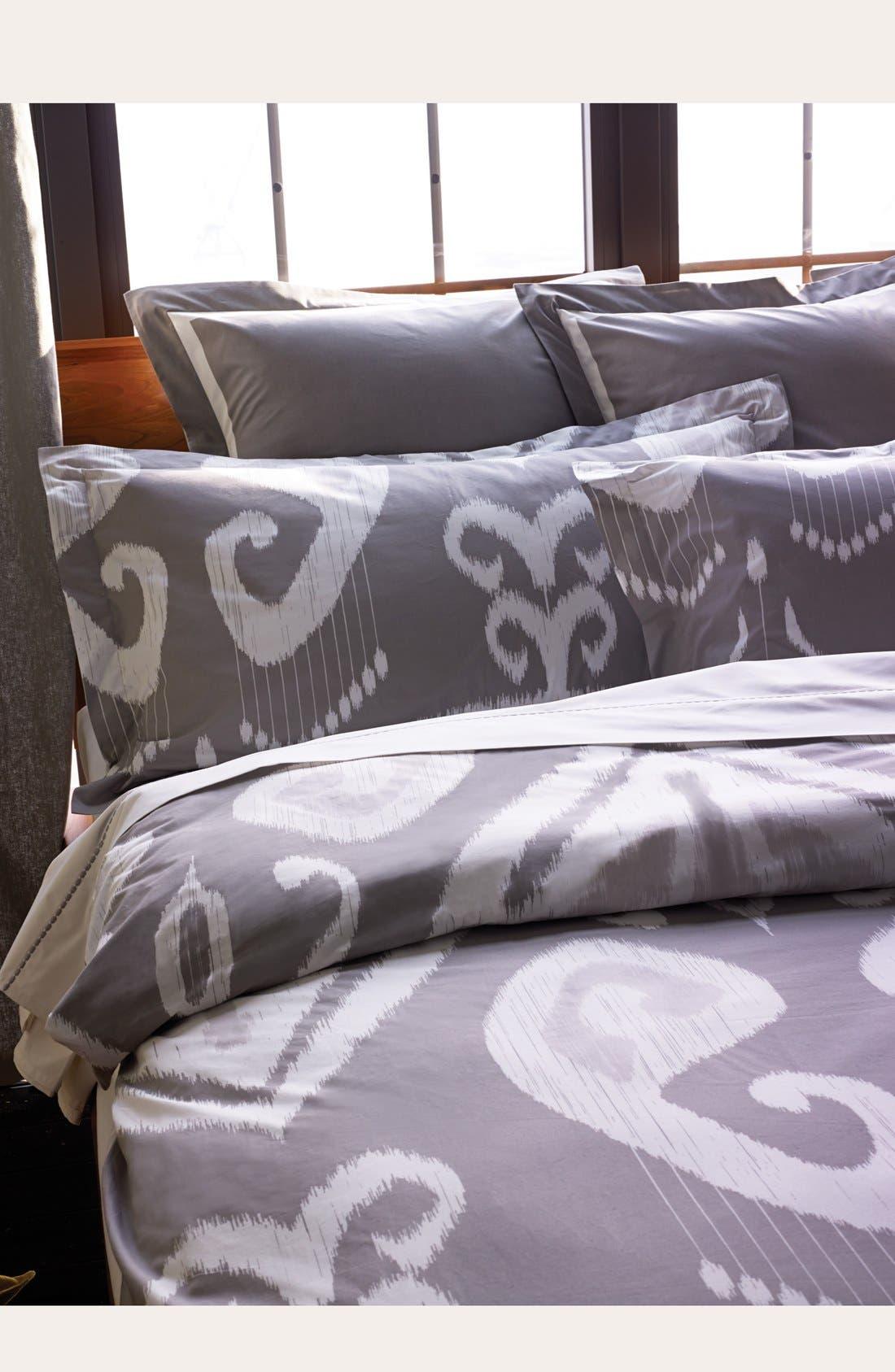 'Jakarata' 200 Thread Count Duvet Cover,                         Main,                         color, Grey/ White