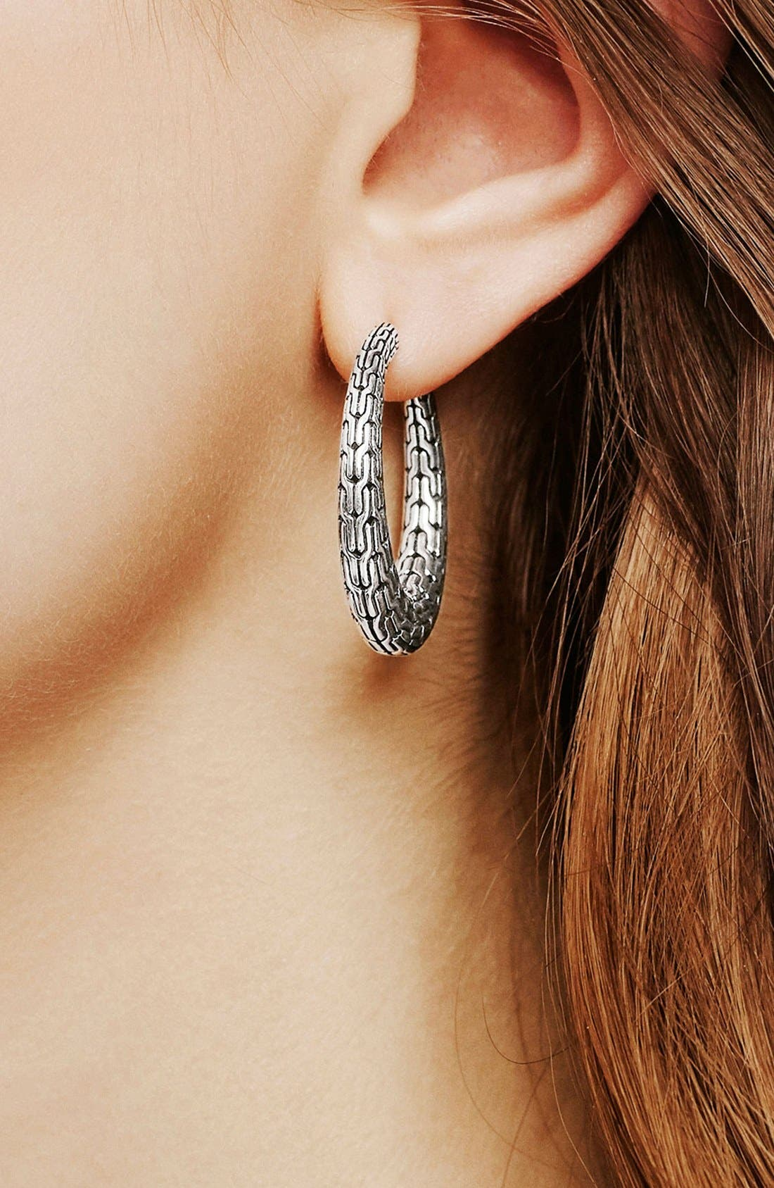 Alternate Image 2  - John Hardy Classic Chain Small Hinge Hoop Earrings