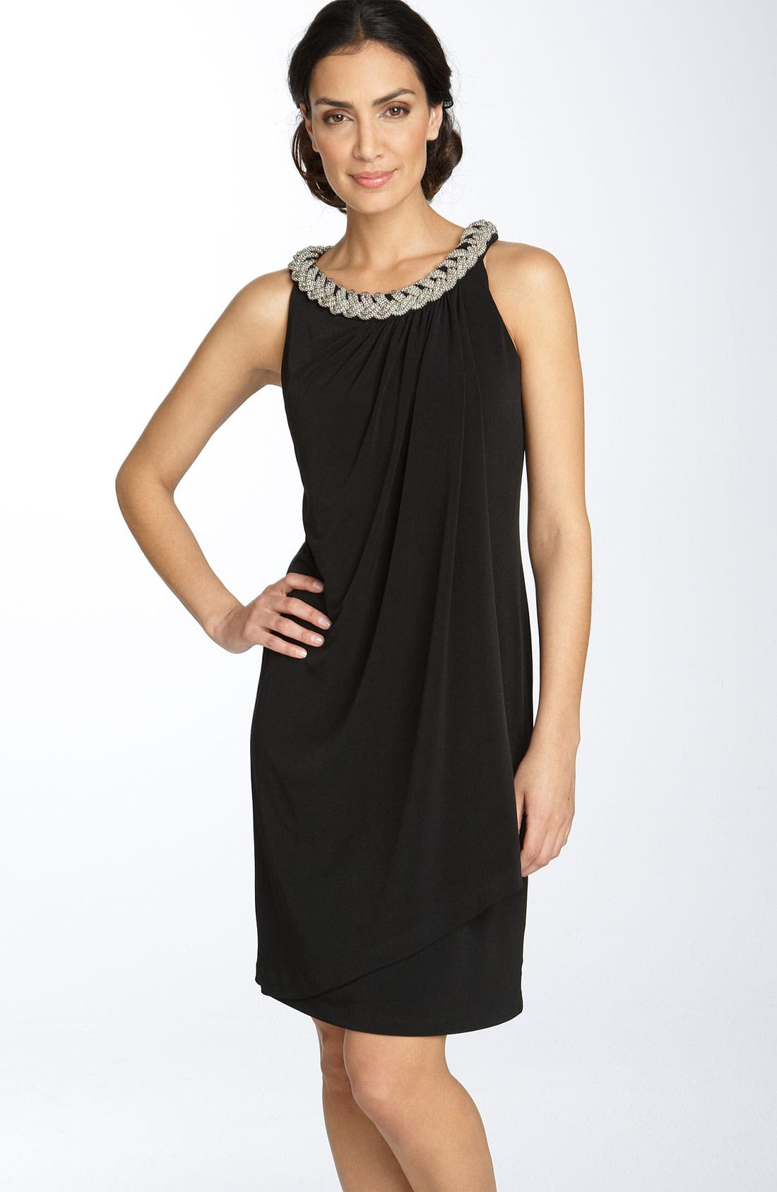 Main Image - Donna Ricco Chain Neck Matte Jersey Shift Dress