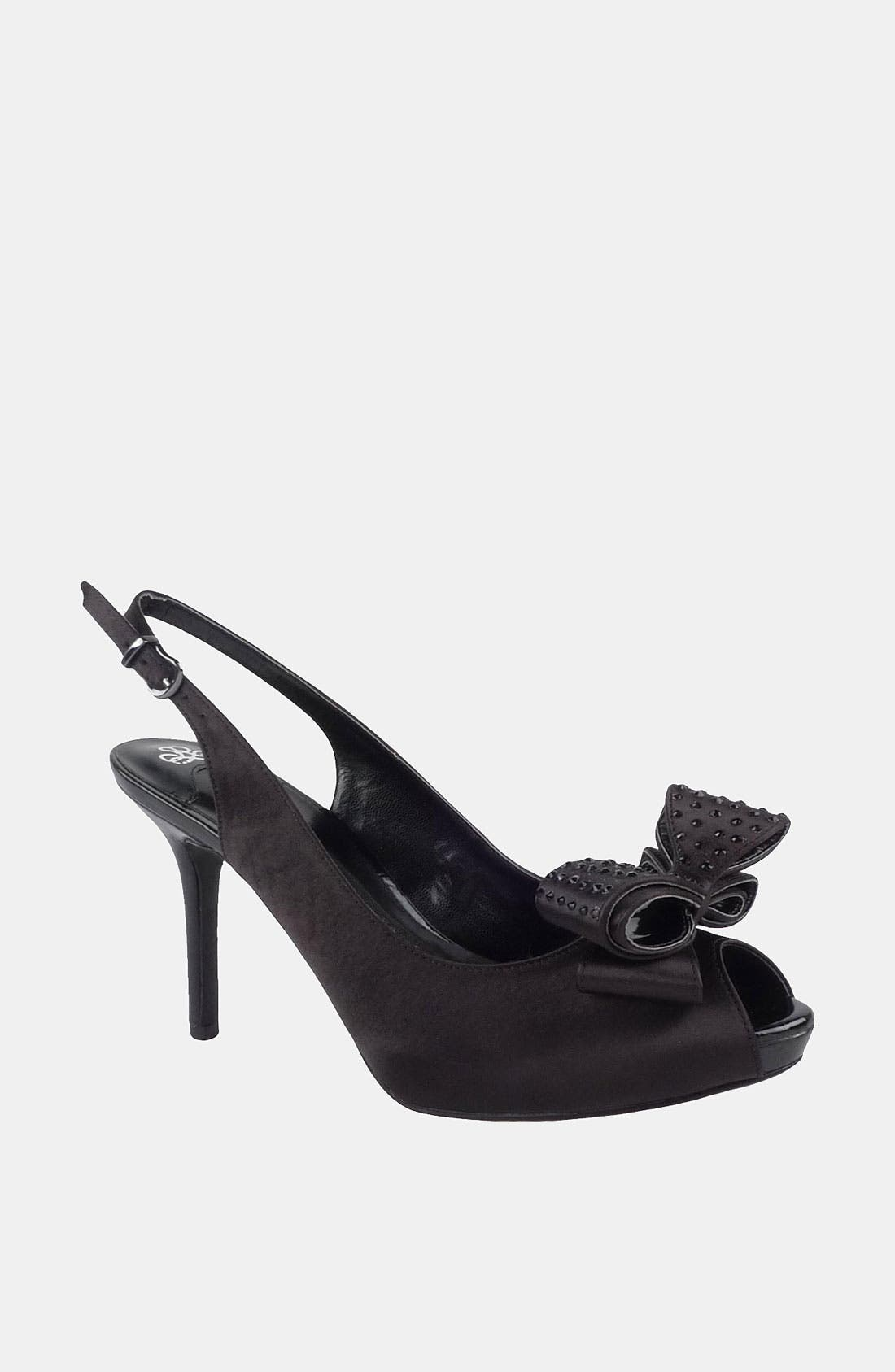 Alternate Image 1 Selected - J. Reneé 'Queeni' Platform Pump