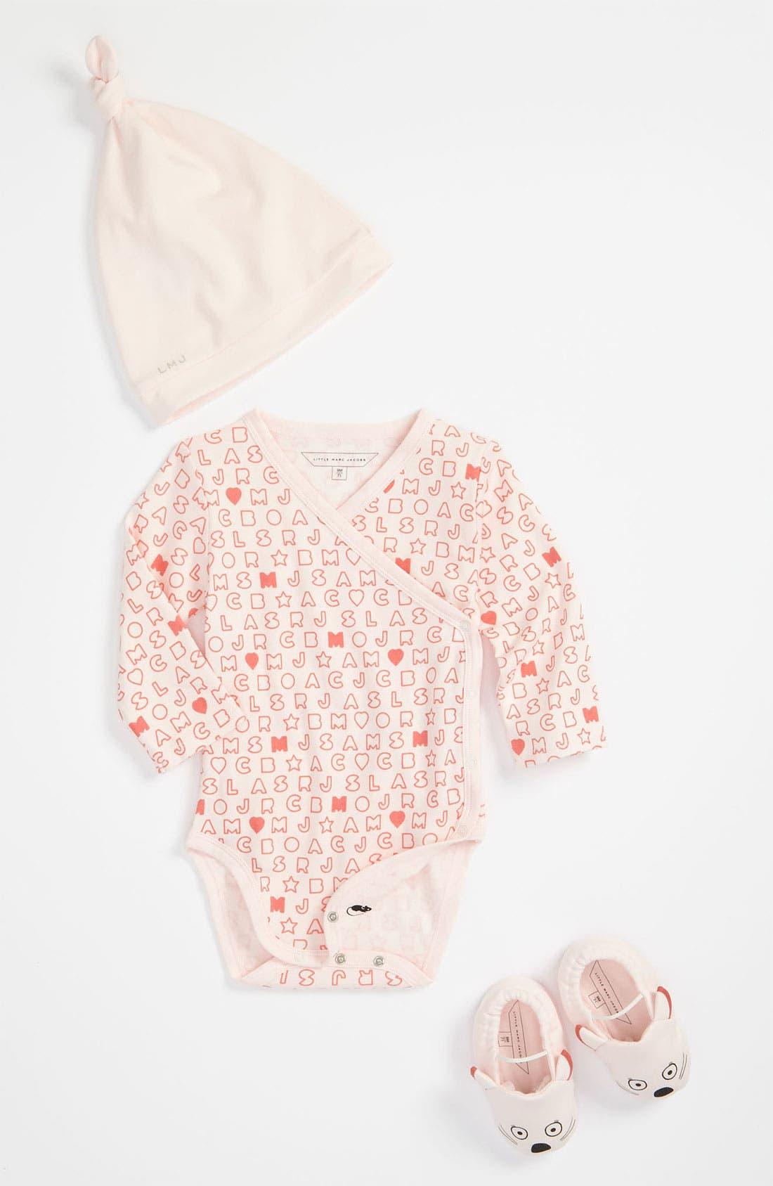 Main Image - LITTLE MARC JACOBS Bodysuit, Hat & Booties (Infant)