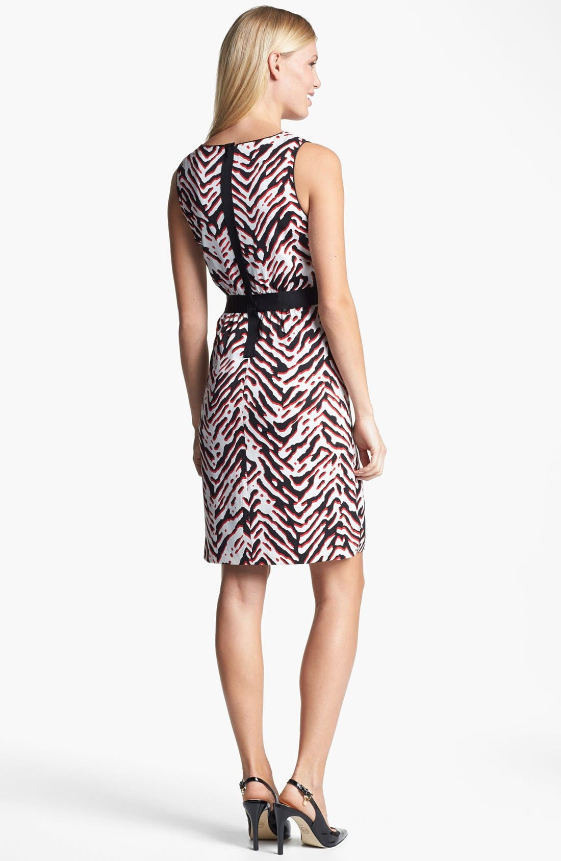Alternate Image 2  - Classiques Entier® Print Stretch Sheath Silk Dress