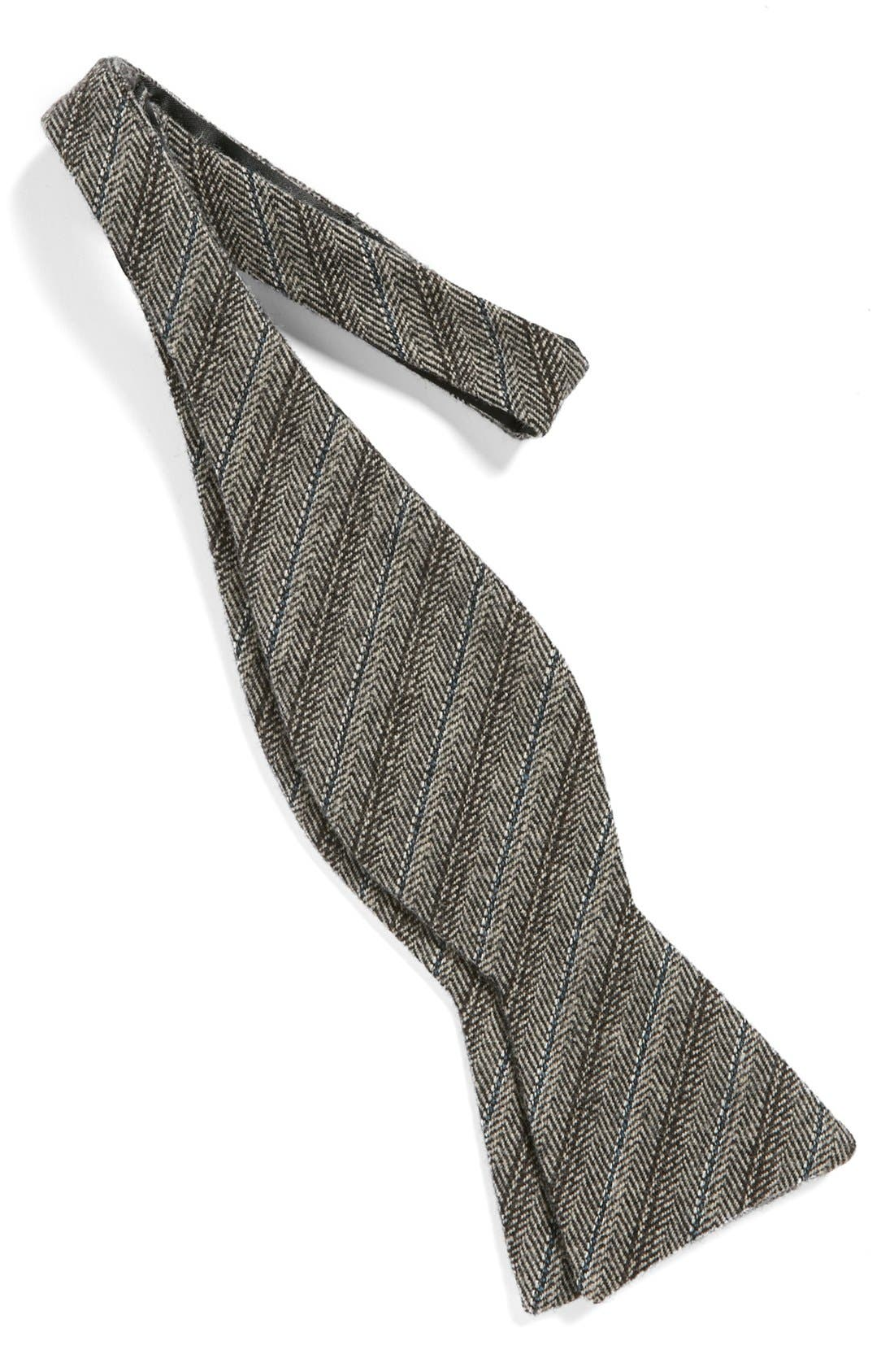 Alternate Image 2  - The Tie Bar Wool Bow Tie