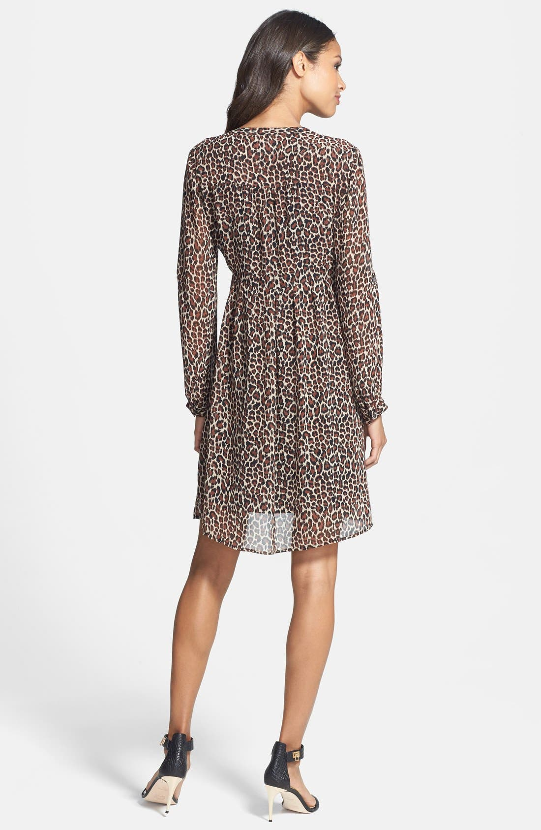 Alternate Image 2  - Two by Vince Camuto Split Neck Leopard Print Shirtdress (Regular & Petite)