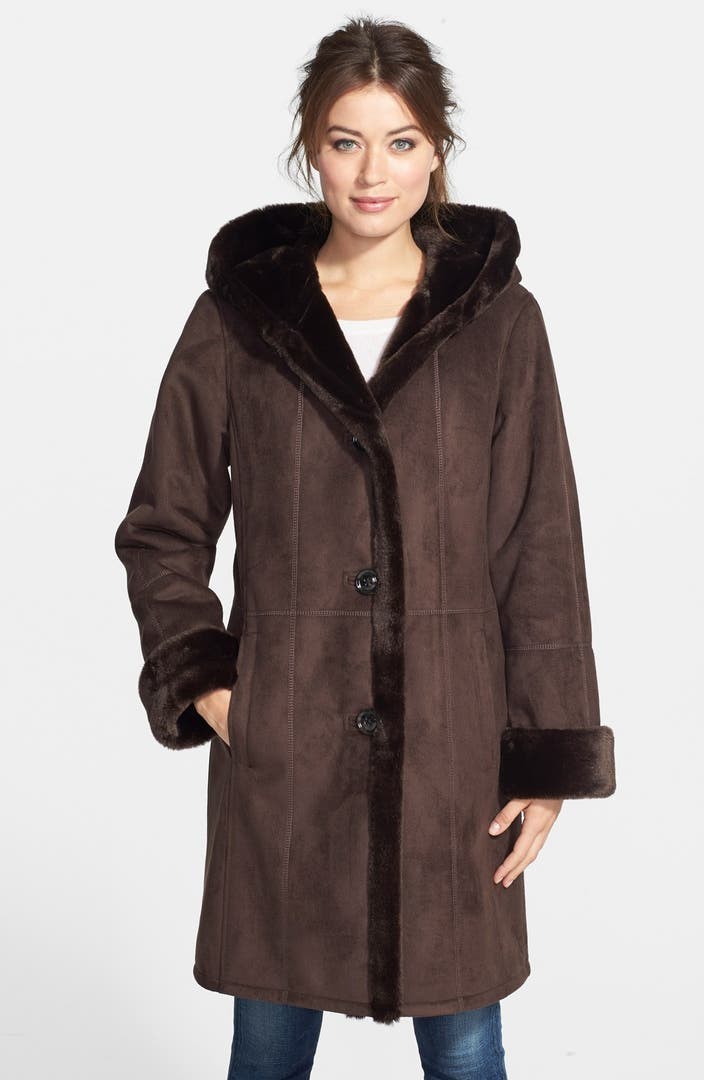 When looking for a long coat for men's online, you will usually check for something that is made with good material like outer layer nylon and inner fabric polyester fur along with a low-price budget.