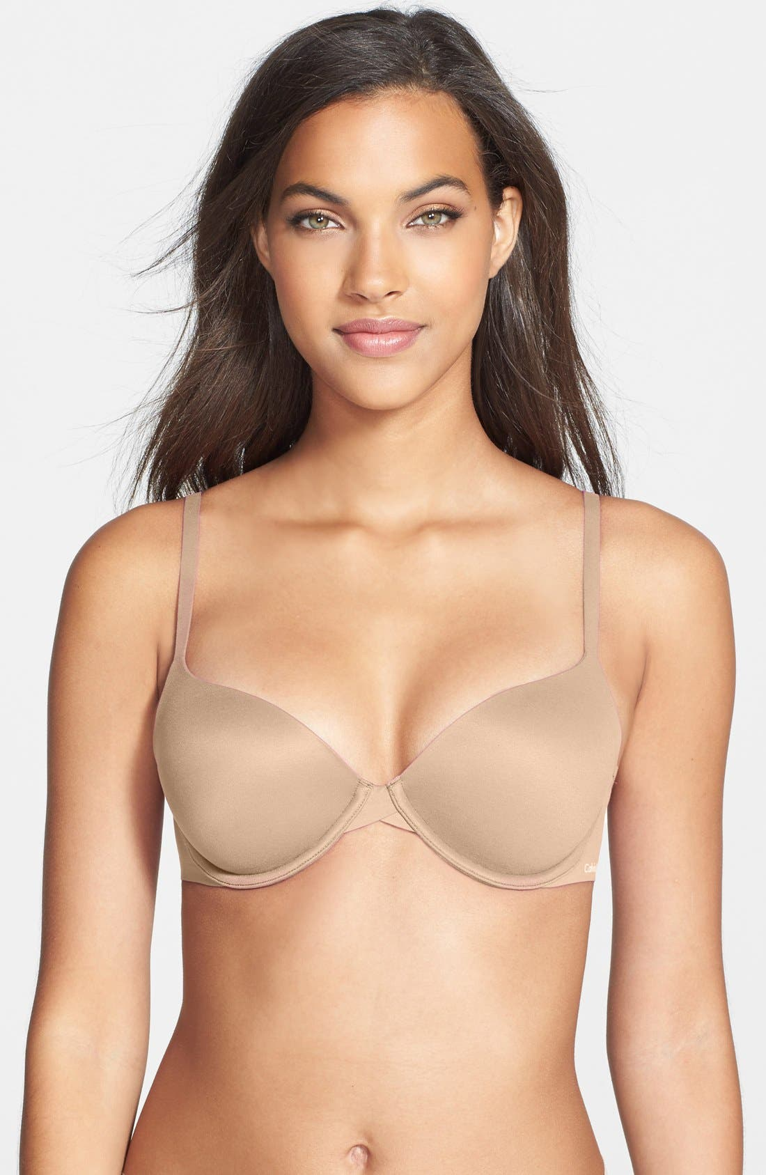 The t-shirt bra is an essential piece of every lingerie collection. When's the last time you wore a lace bra under a t-shirt? It's been a while, right? Because there's a time and place for textured and intricate bras, but while wearing a t-shirt is not one of them. How often do you need to.