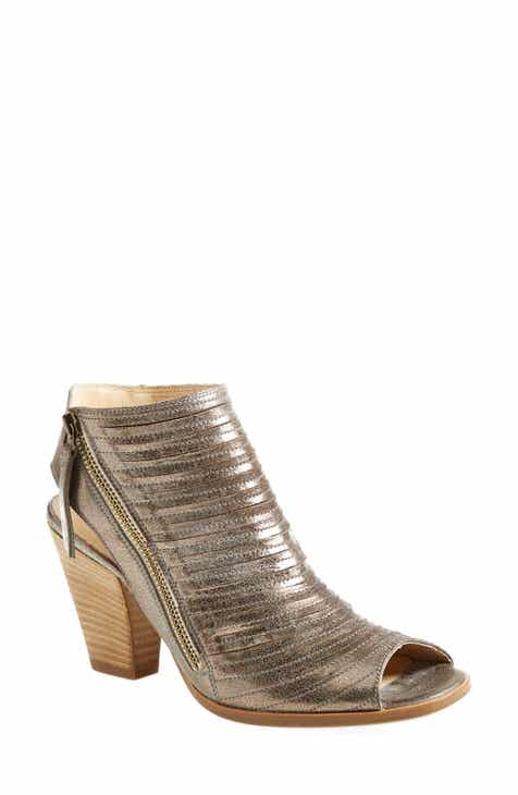 Paul Green  Cayanne  Leather Peep Toe Sandal (Women) accbb884175a