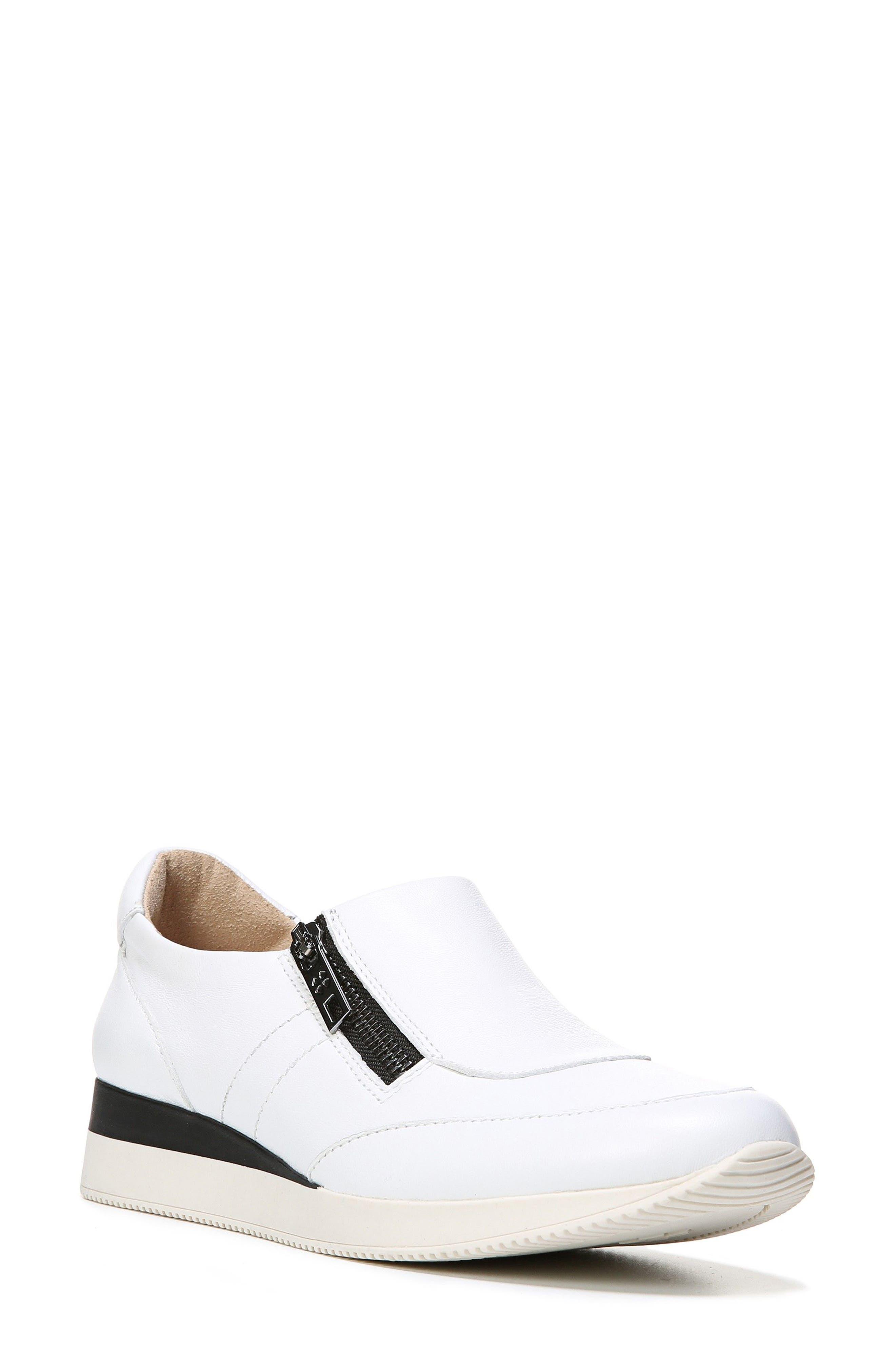 Alternate Image 1 Selected - Naturalizer Jetty Sneaker (Women)