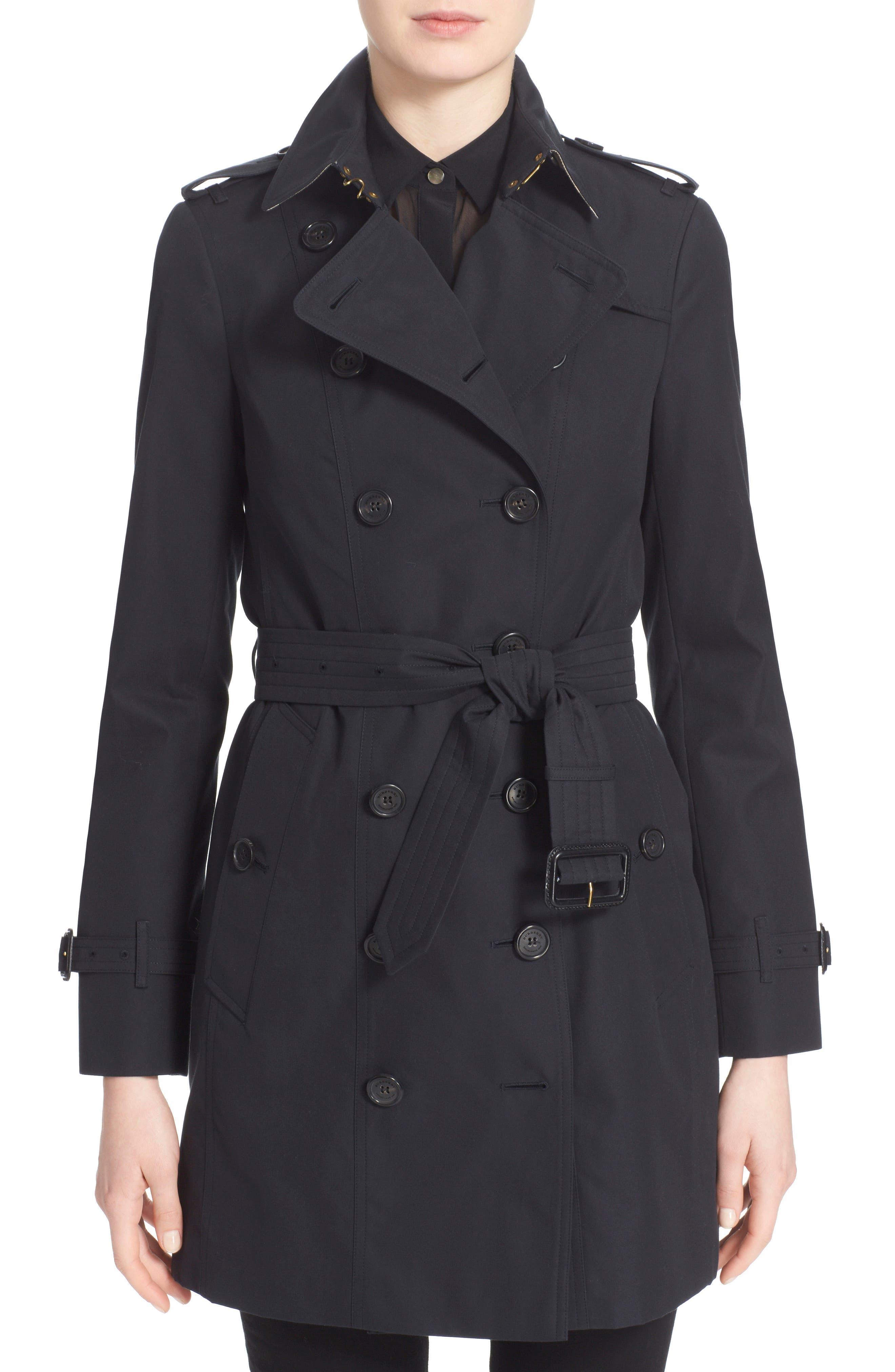 Burberry Sandringham Mid Slim Trench Coat