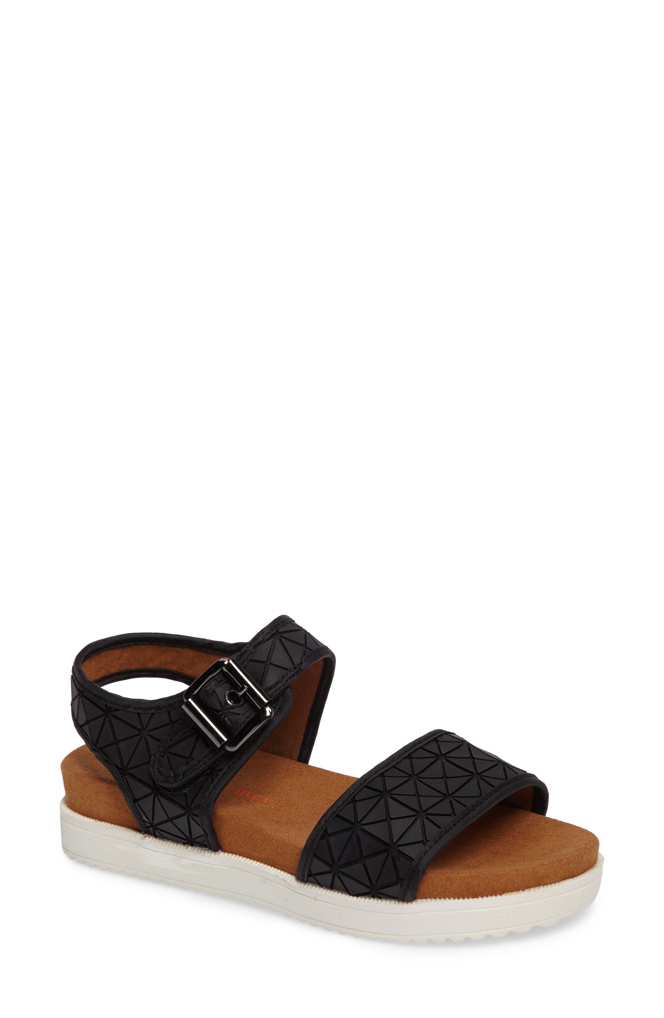 bernie mev. Webster Inset Platform Sandal (Women)