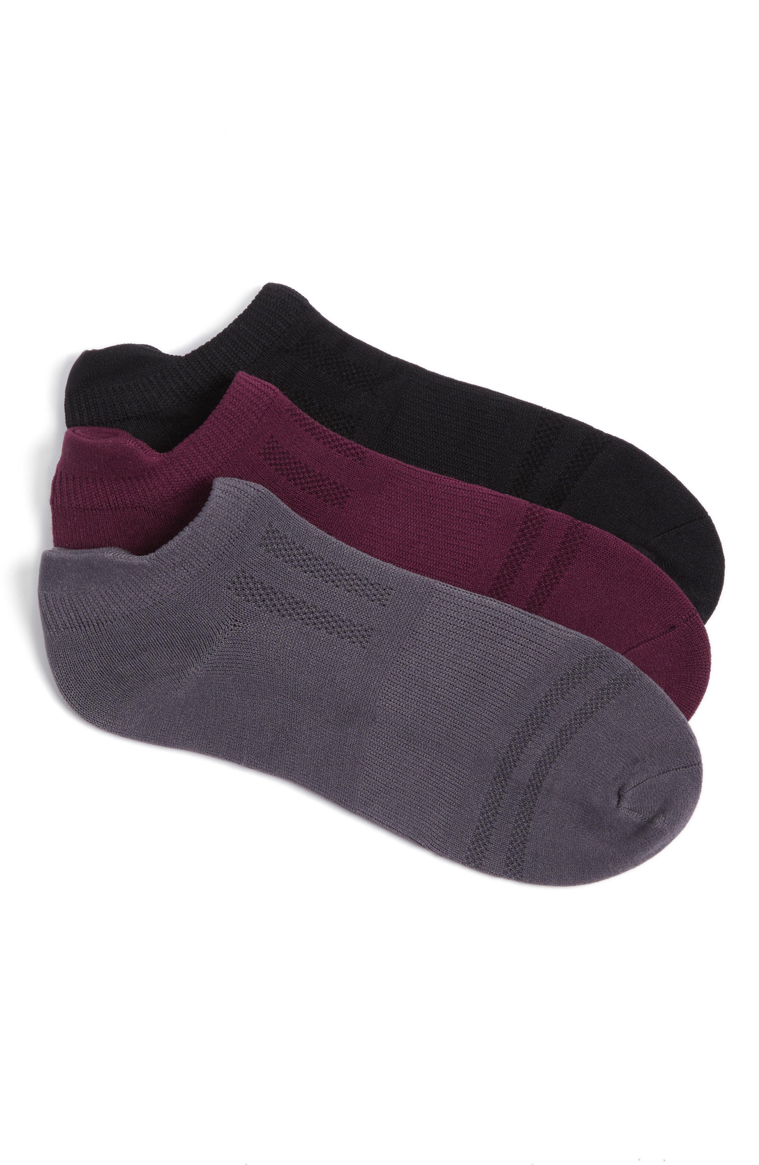 Alternate Image 1 Selected - Sof Sole 3-Pack Low Cut Socks