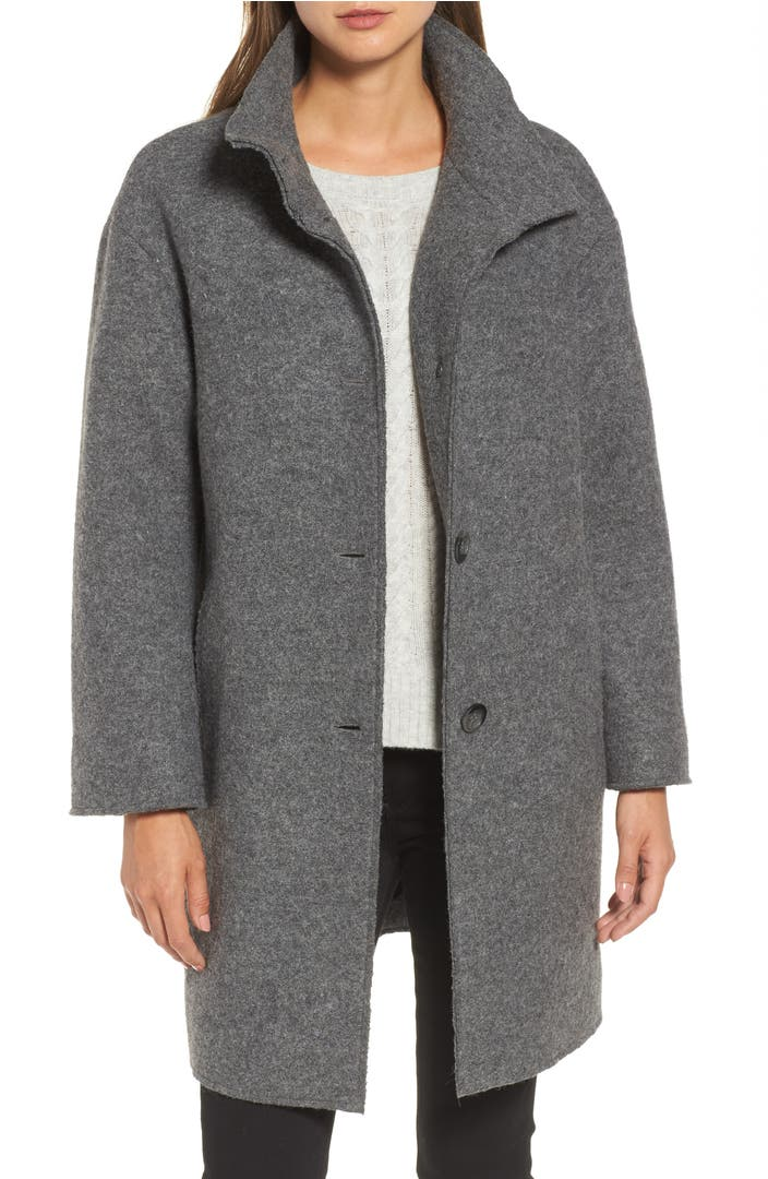 Stay warm and stylish with versatile wool outerwear from Overland Sheepskin Co., the nation's most trusted source of quality wool coats for women and wool coats for men. Find your new favorite among our cashmere coats, wool vests, merino wool sweaters, wool ponchos, wool shawls, alpaca wool coats, wool-blend parkas and more.