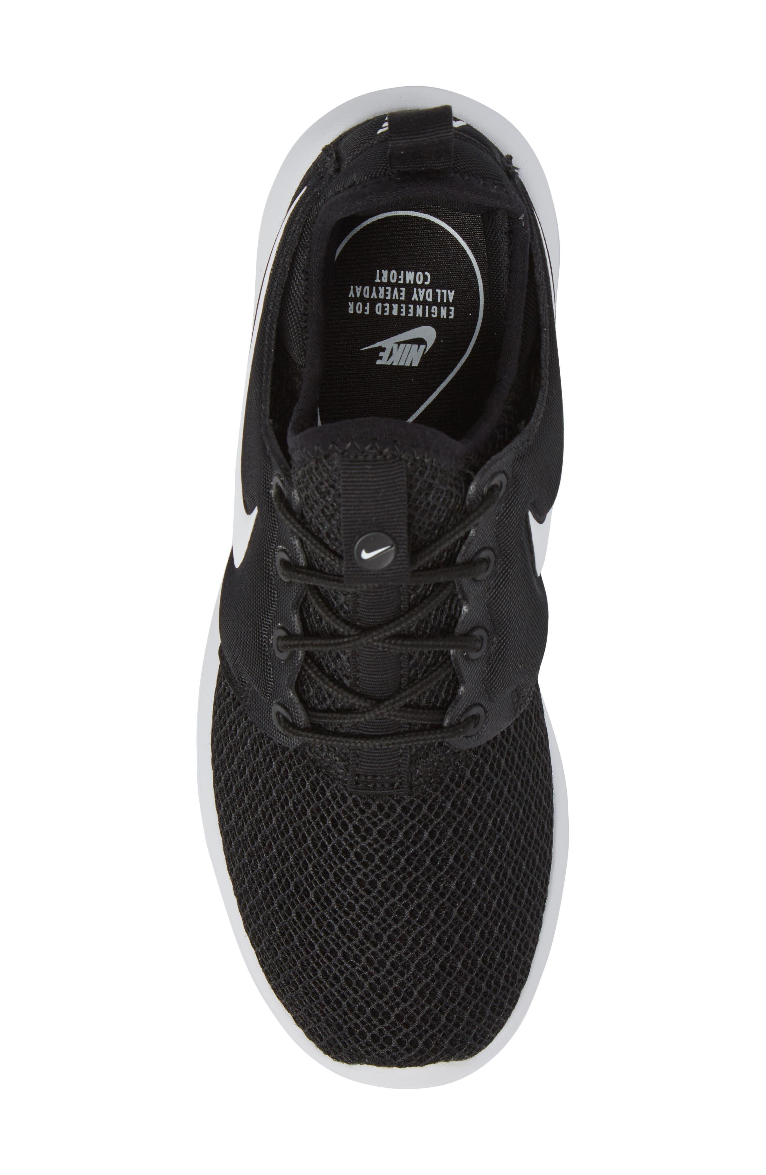 Roshe Two Sneaker,                             Alternate thumbnail 7, color,                             Black/ White