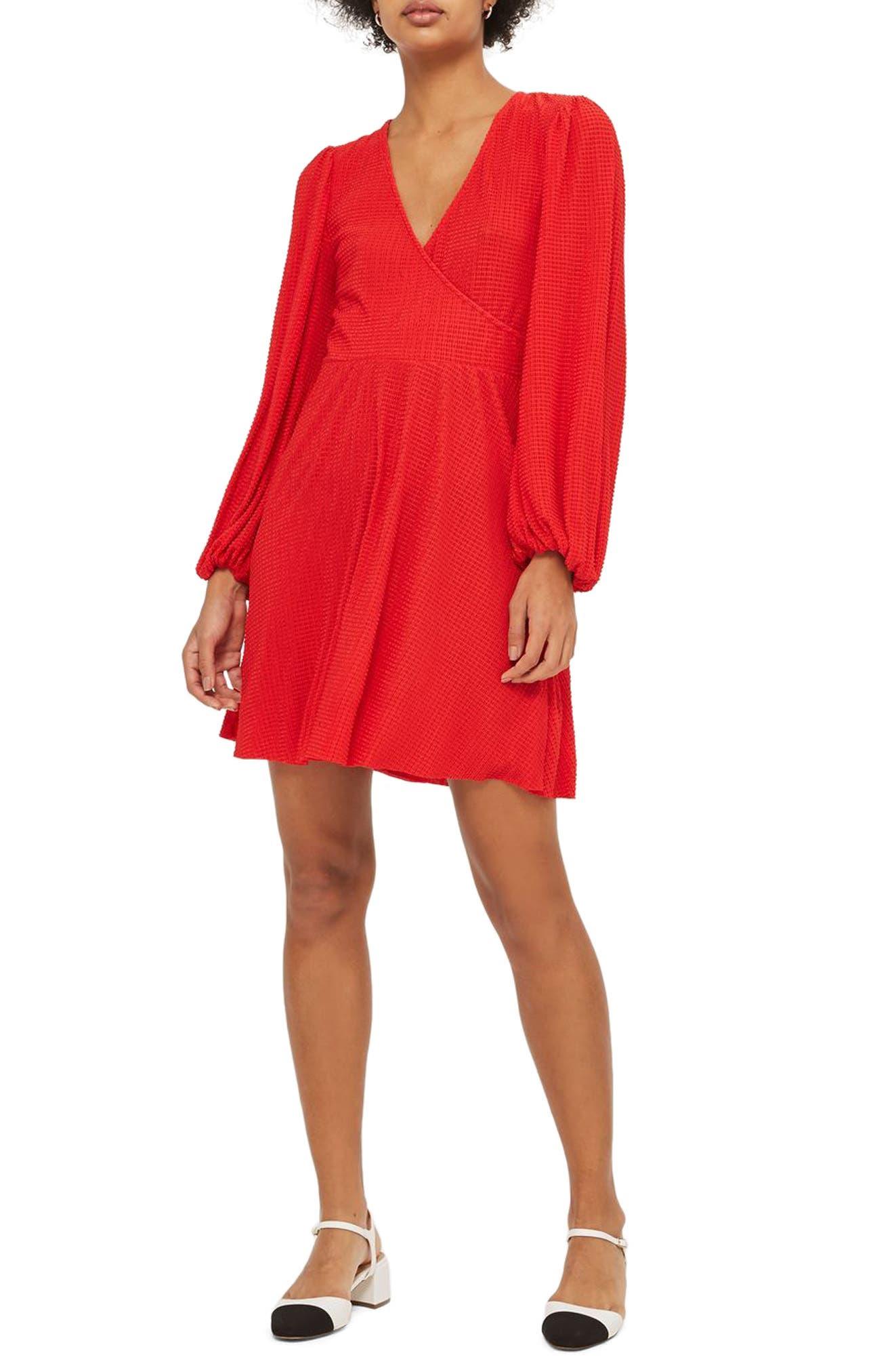 Main Image - Topshop Plissé Wrap Dress