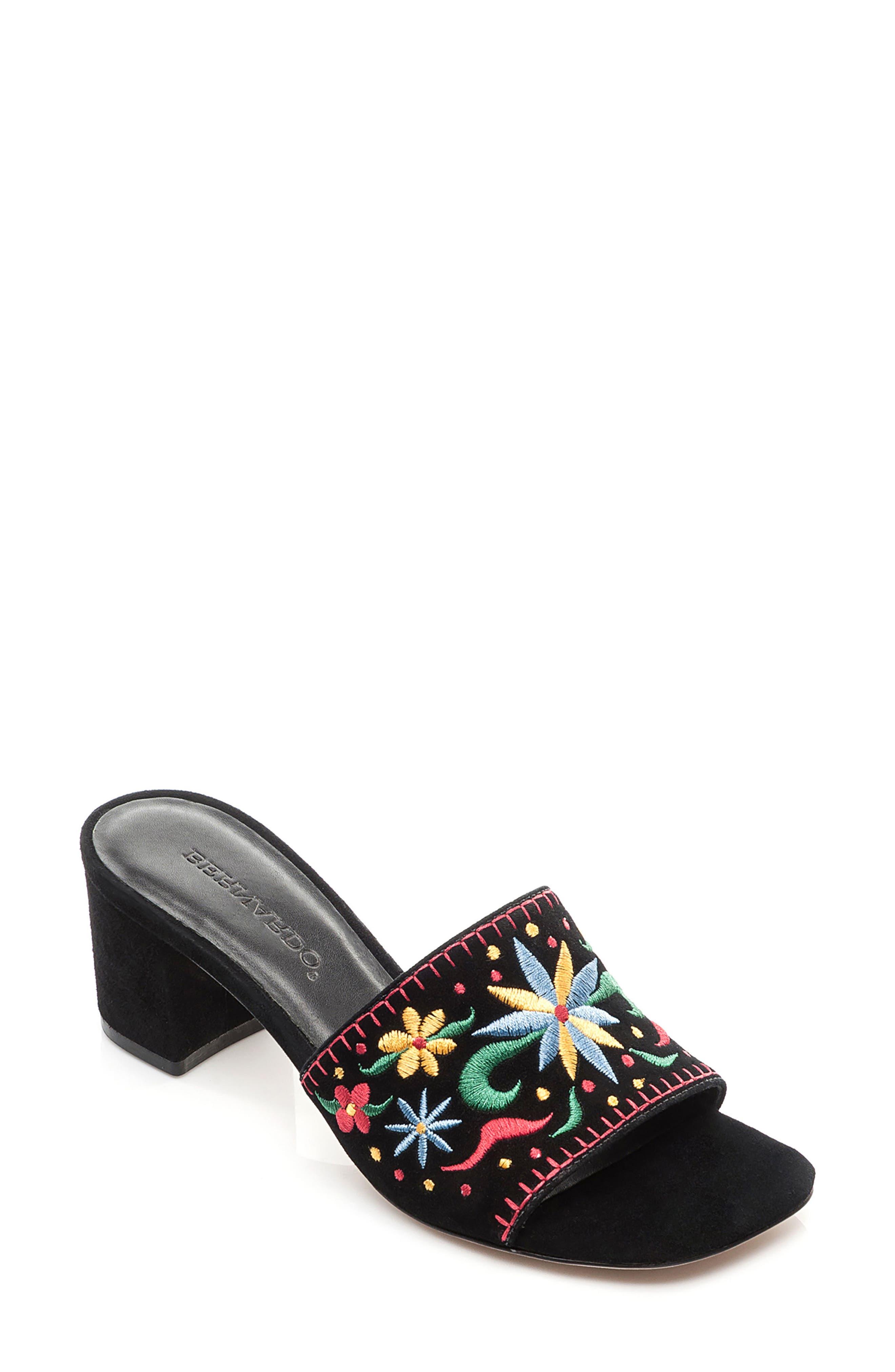 BERNARDO FOOTWEAR Bailey Slide Sandal