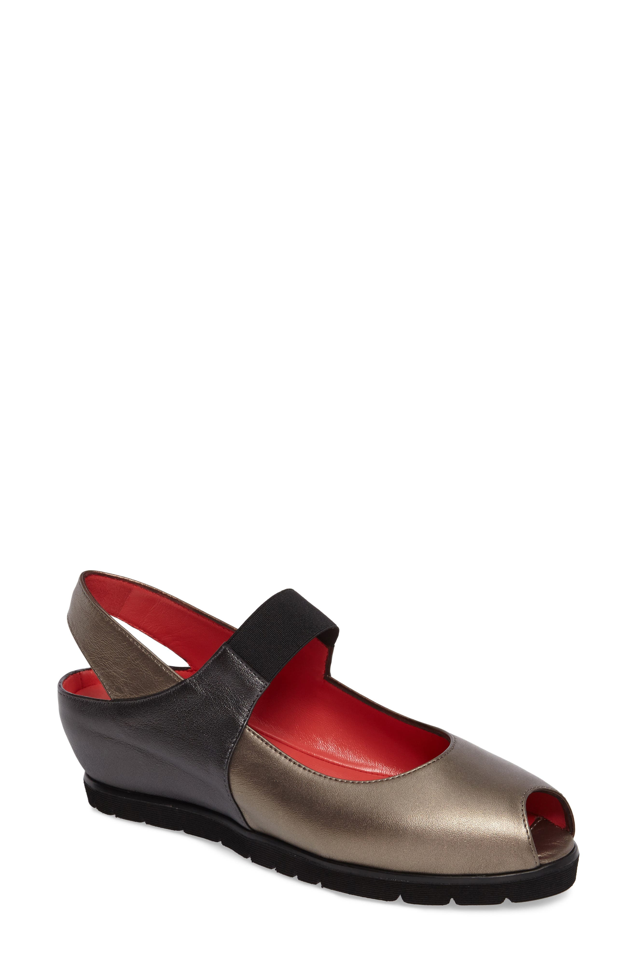 Pas de Rouge Slingback Peep Toe Wedge (Women)