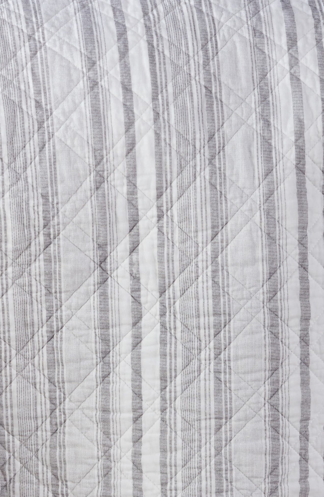 Winterland Reversible Quilt,                             Alternate thumbnail 4, color,                             Grey