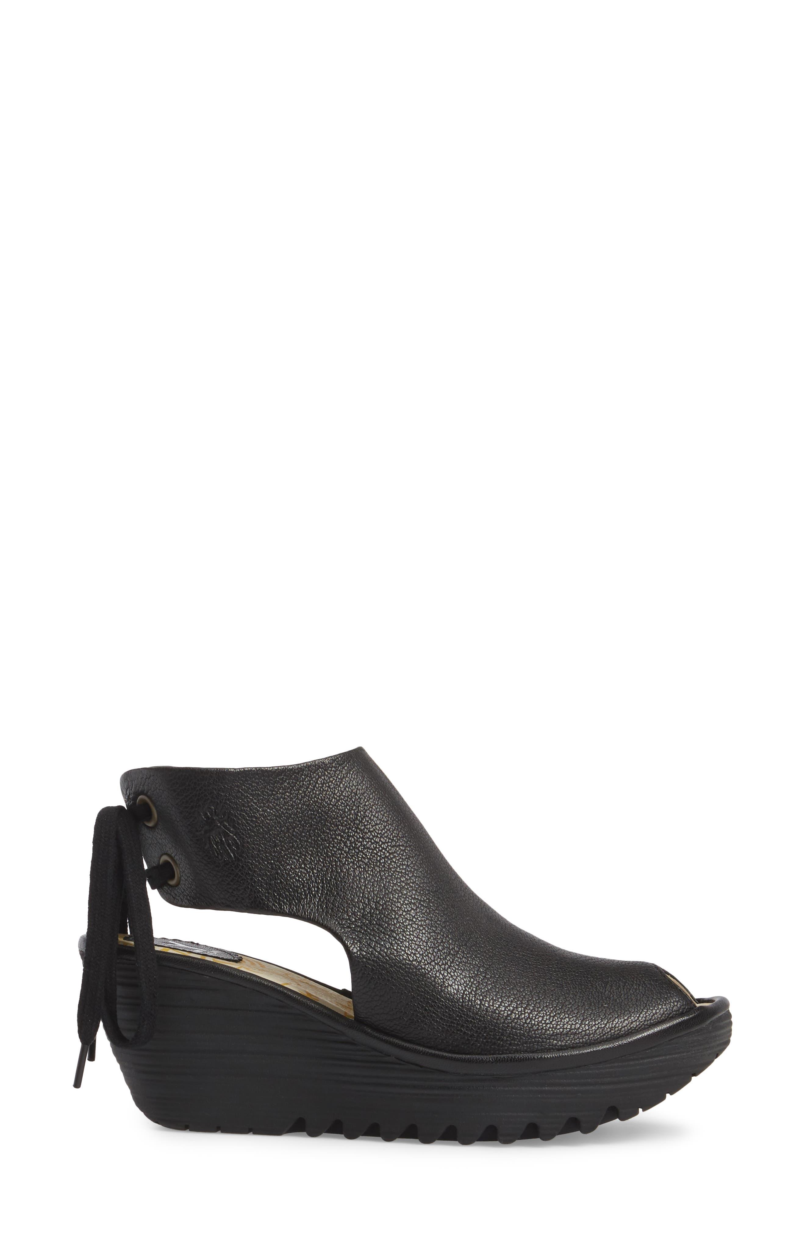 Yuzu Wedge Sandal,                             Alternate thumbnail 3, color,                             Black Mousse Leather