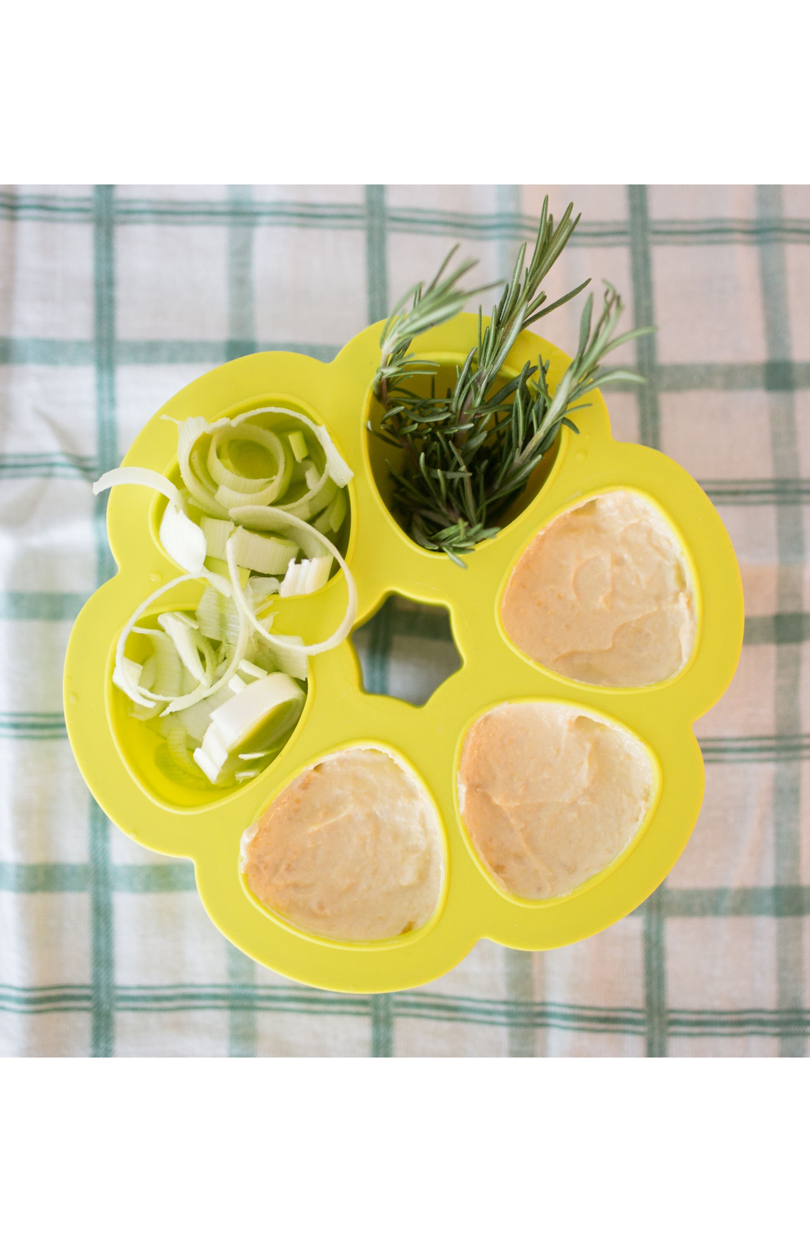 Alternate Image 5  - BÉABA 'Multiportions™' Silicone 5 oz. Food Cup Tray