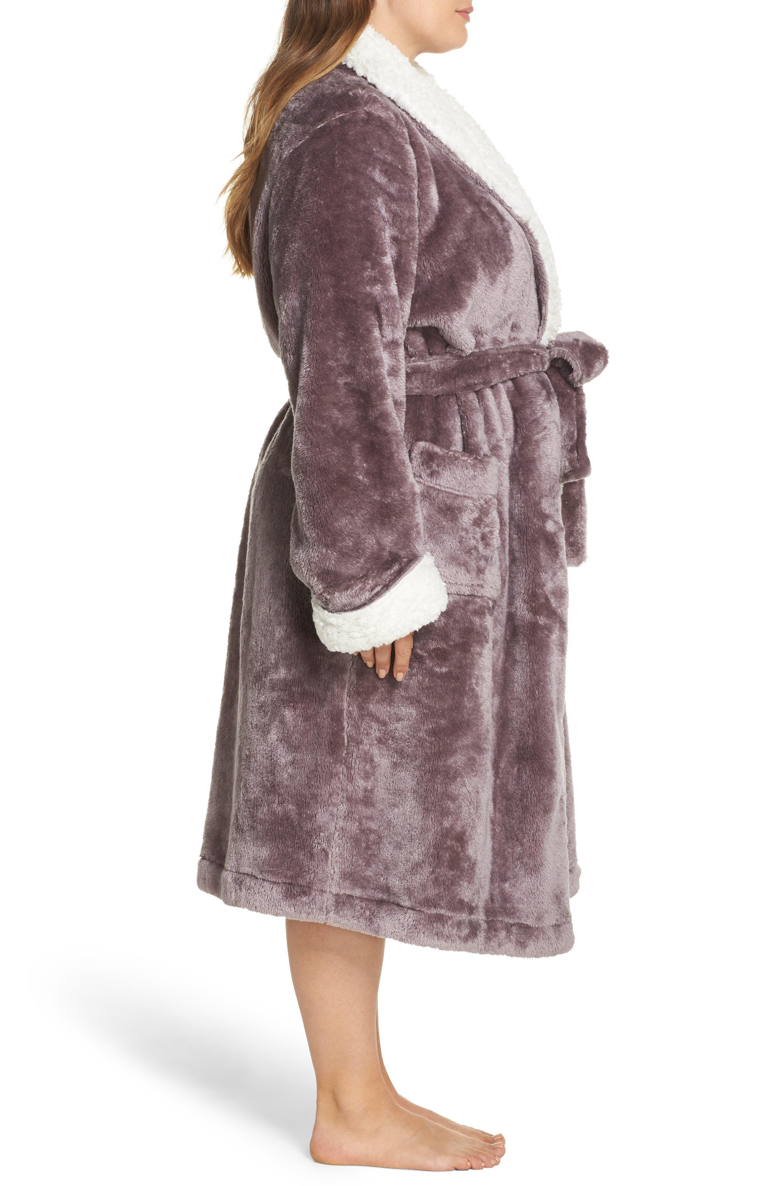 Alternate Image 3  - Nordstrom Lingerie Frosted Plush Robe (Plus Size)