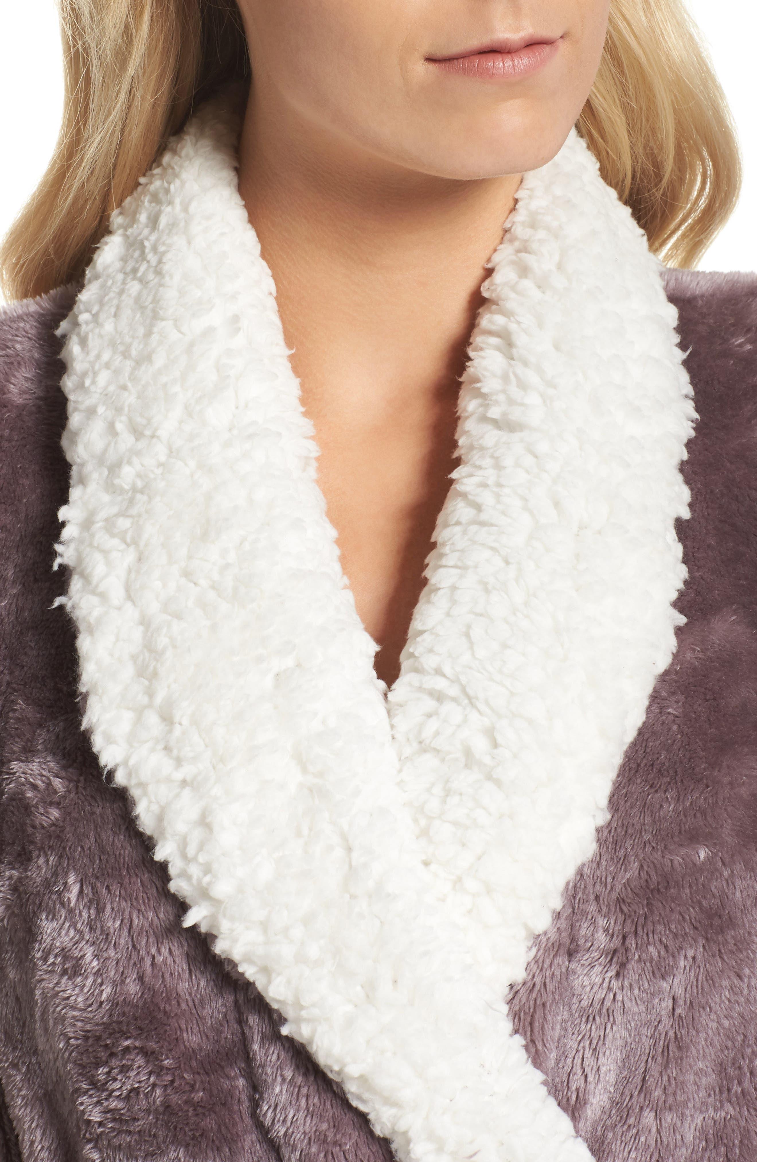 Alternate Image 4  - Nordstrom Lingerie Frosted Plush Robe