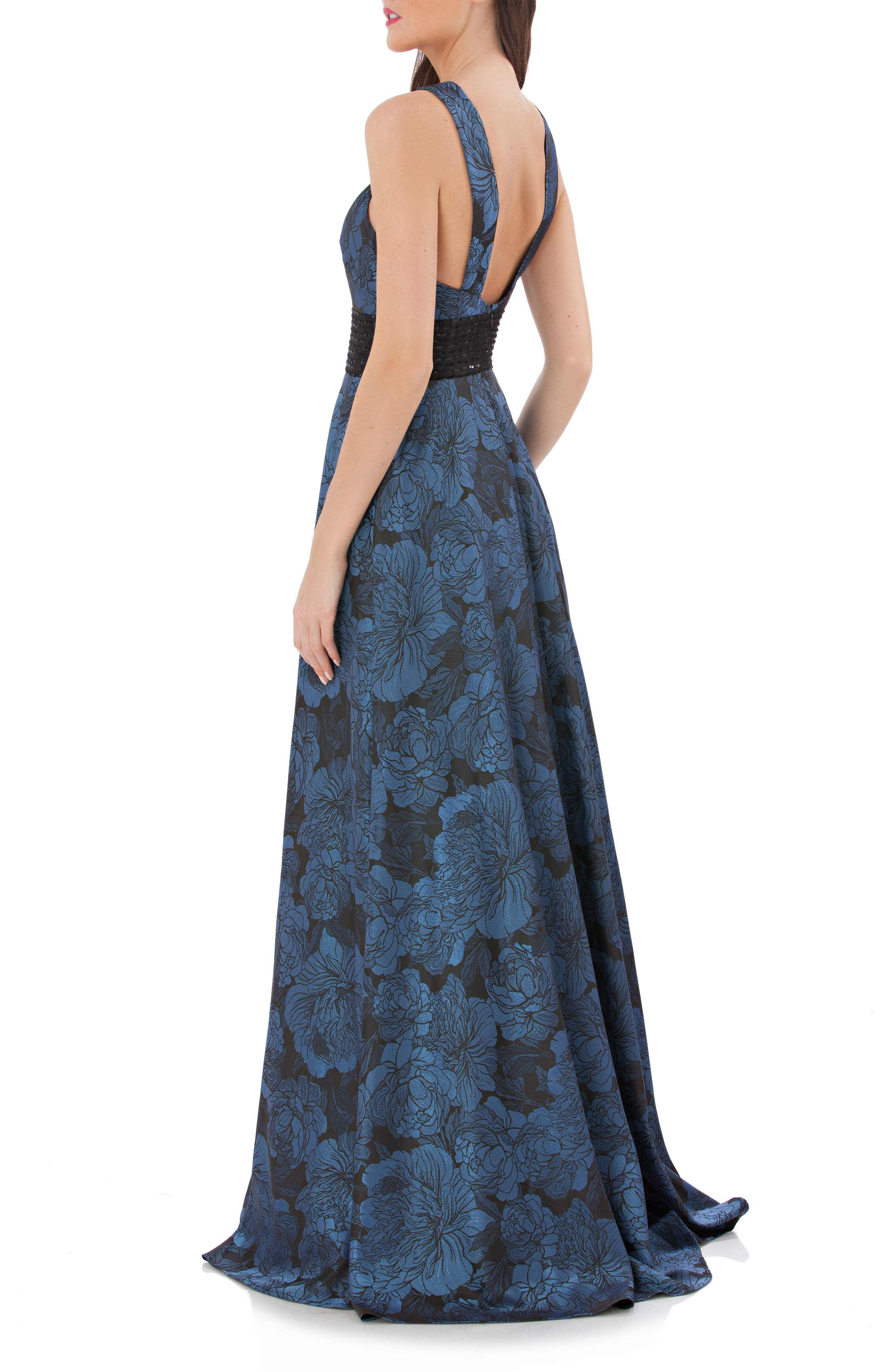 Alternate Image 2  - Carmen Marc Valvo Infusion Jacquard Halter Gown