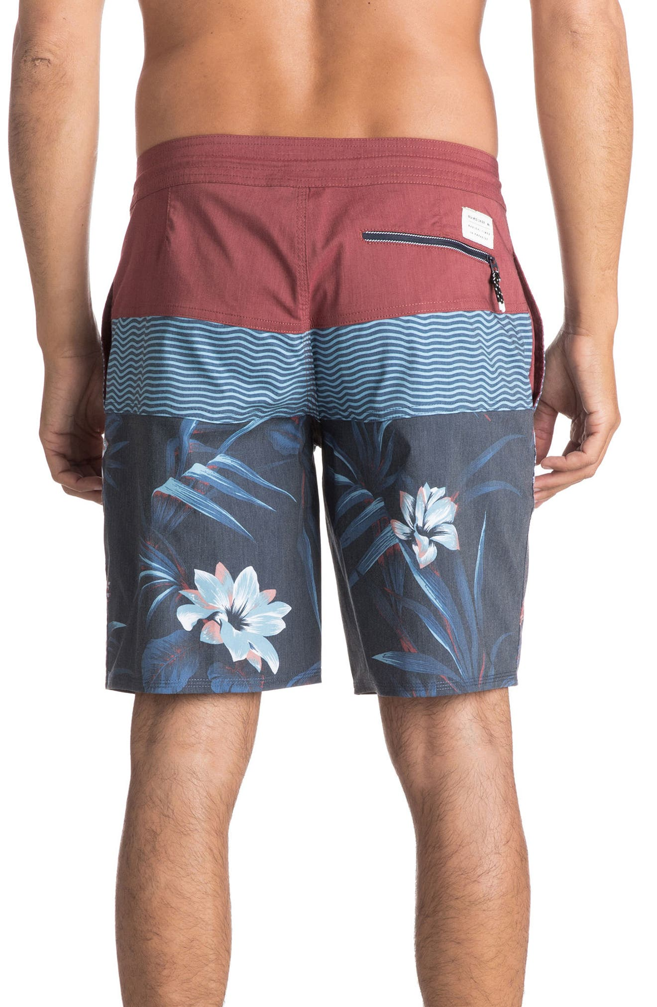 Alternate Image 2  - Quiksilver Heatwave Blocked Board Shorts