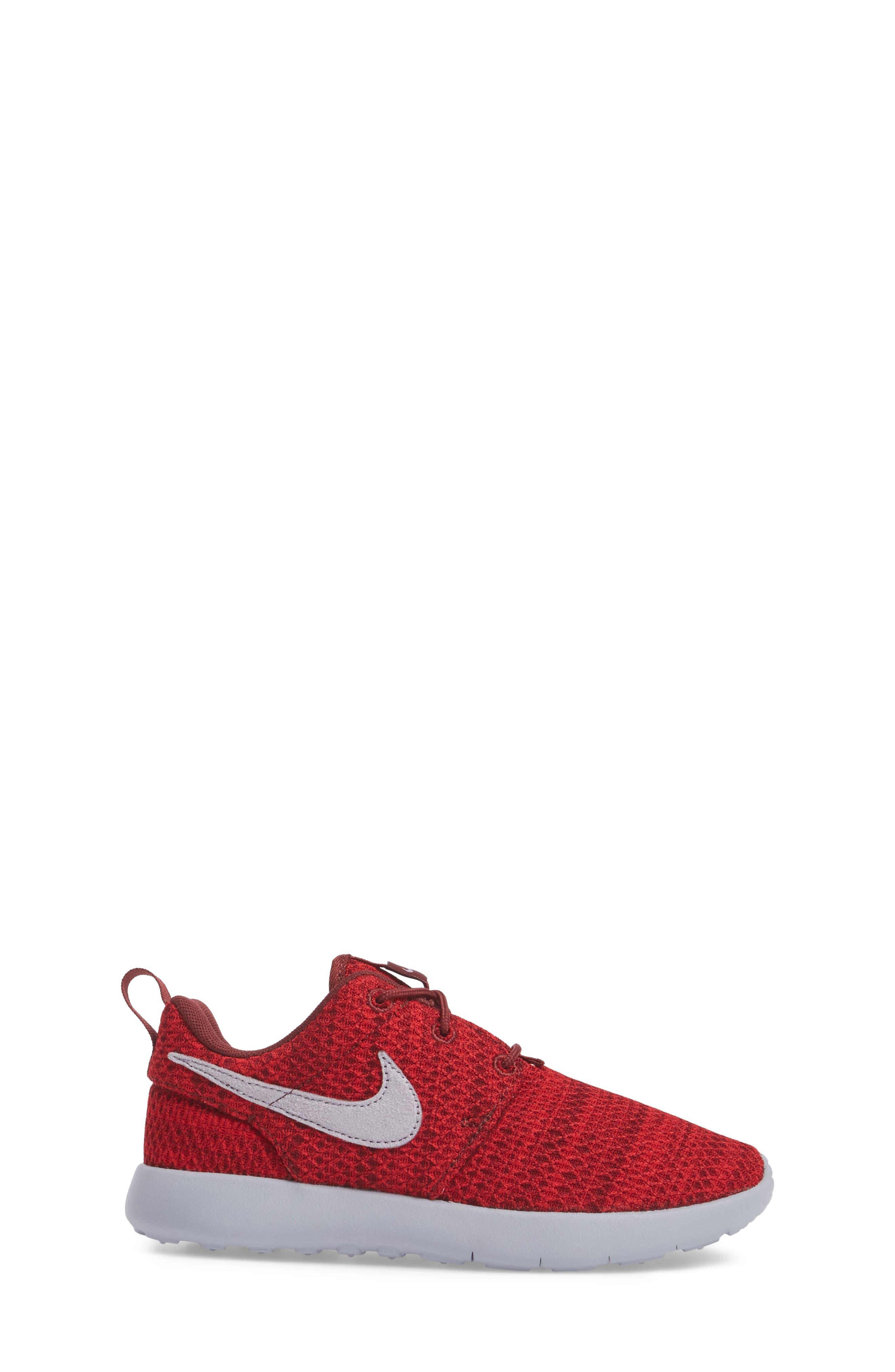 Alternate Image 3  - Nike Roshe Run Sneaker (Toddler & Little Kid)