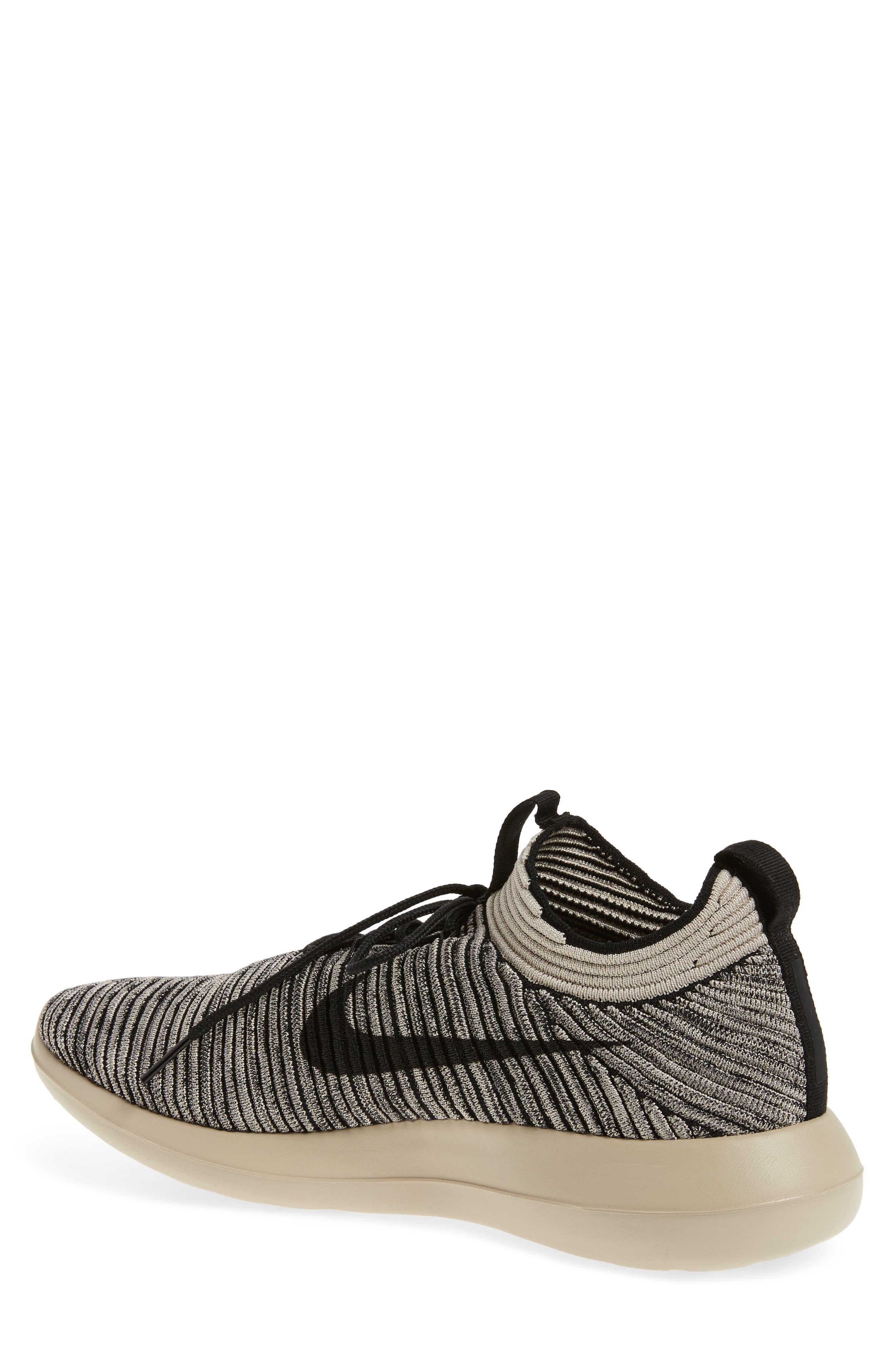 Alternate Image 2  - Nike Roshe Two Flyknit V2 Sneaker (Men)