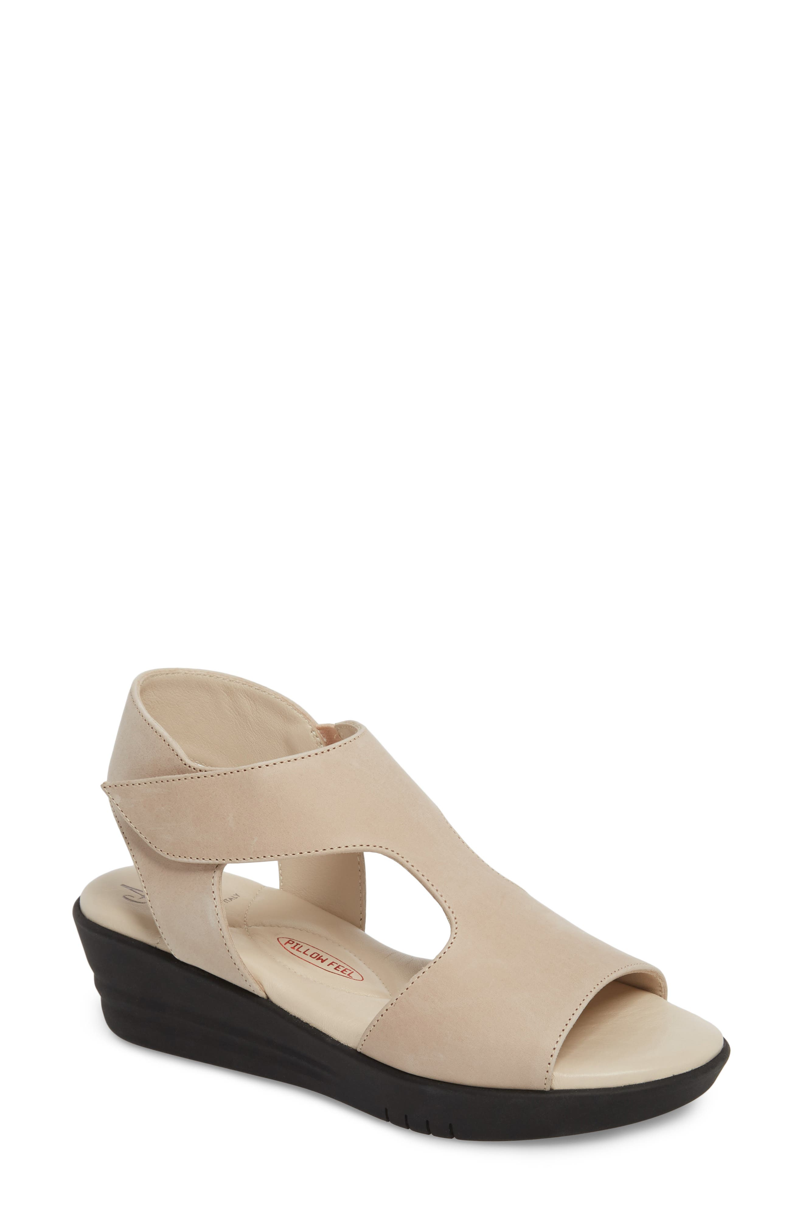 AMALFI BY RANGONI Gabby Platform Sandal in Natural Leather