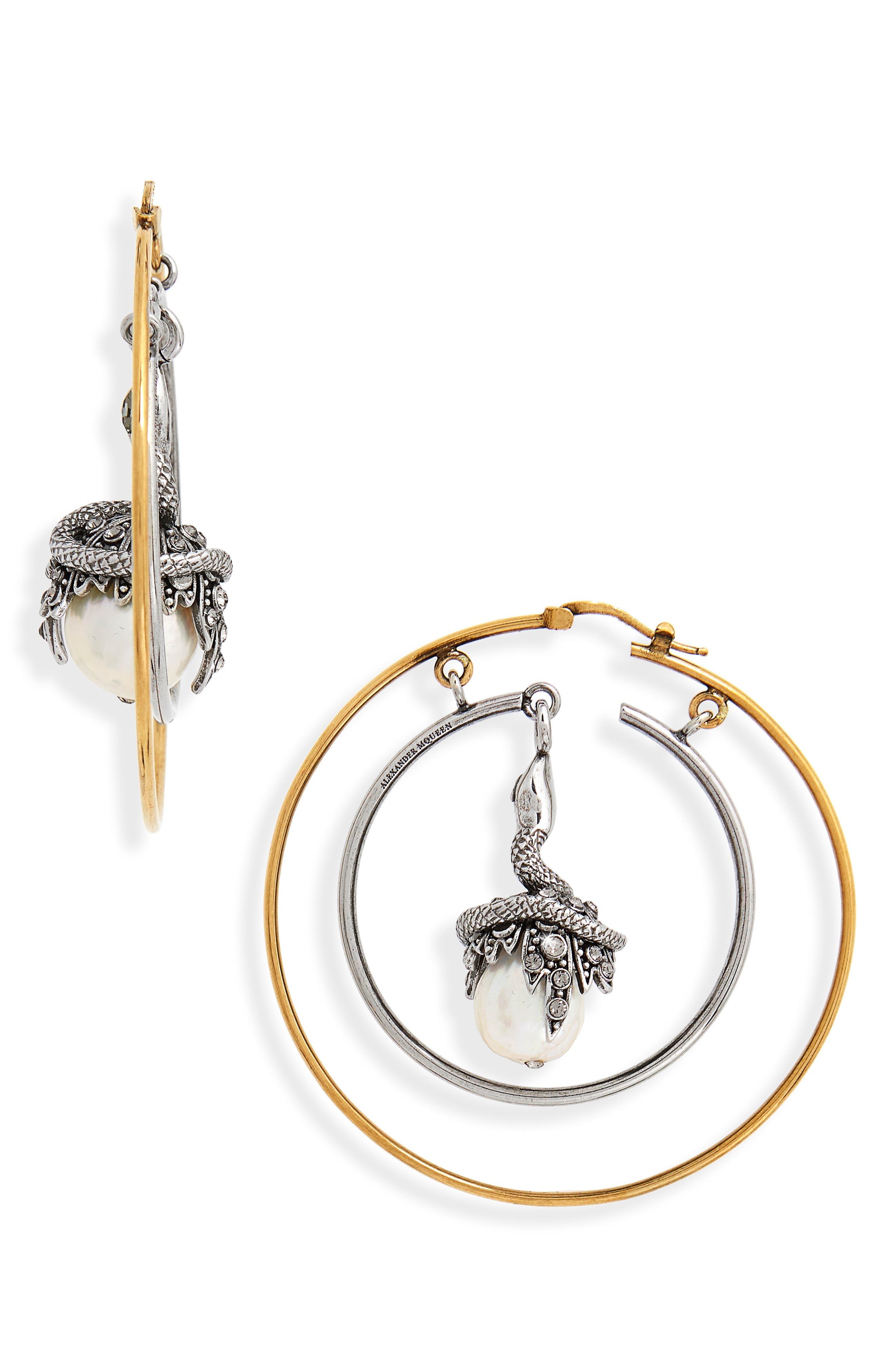 Alexander McQueen Freshwater Pearl Earring