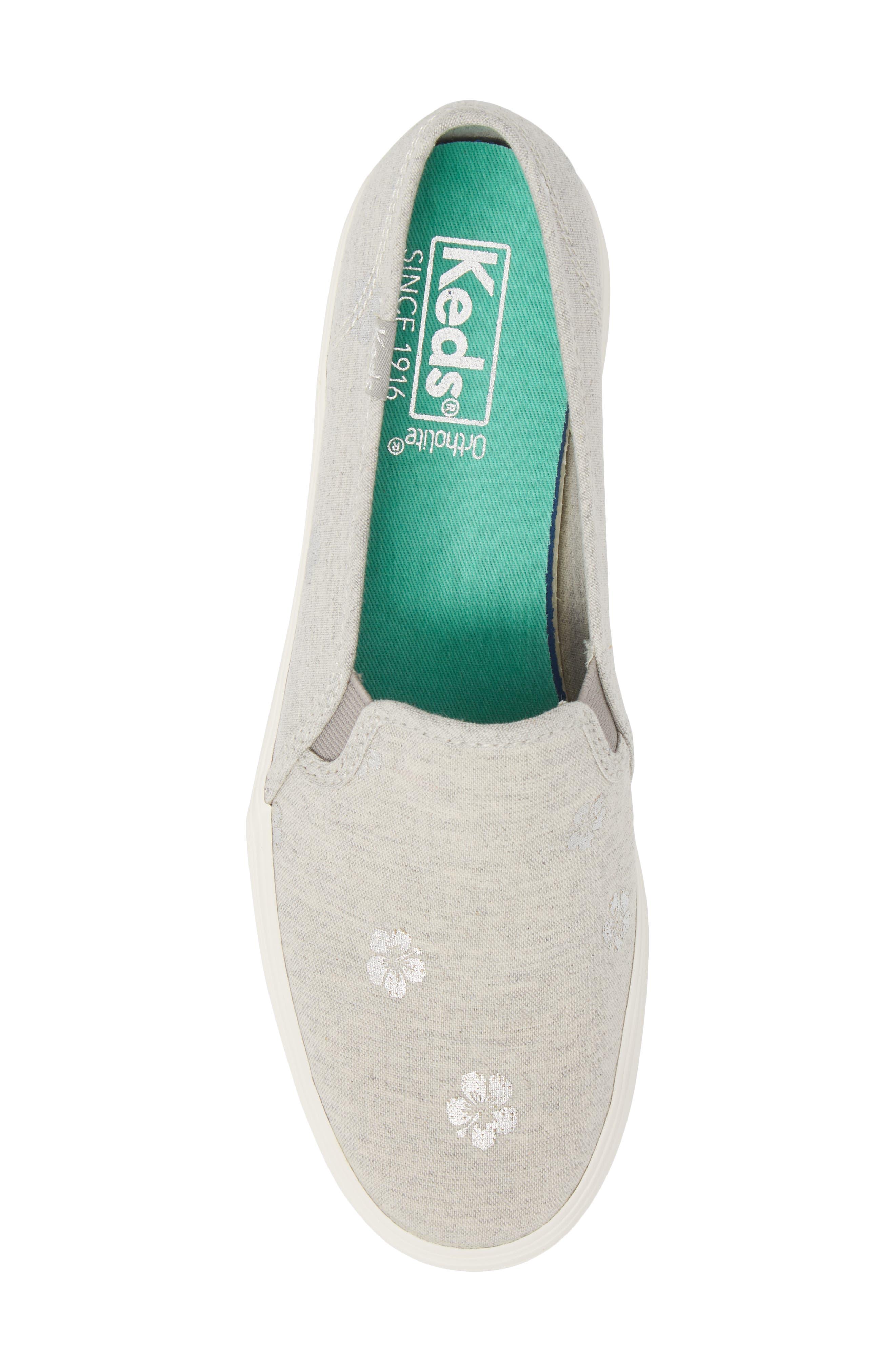 Triple Decker Hibiscus Slip-On Platform Sneaker,                             Alternate thumbnail 5, color,                             Light Grey