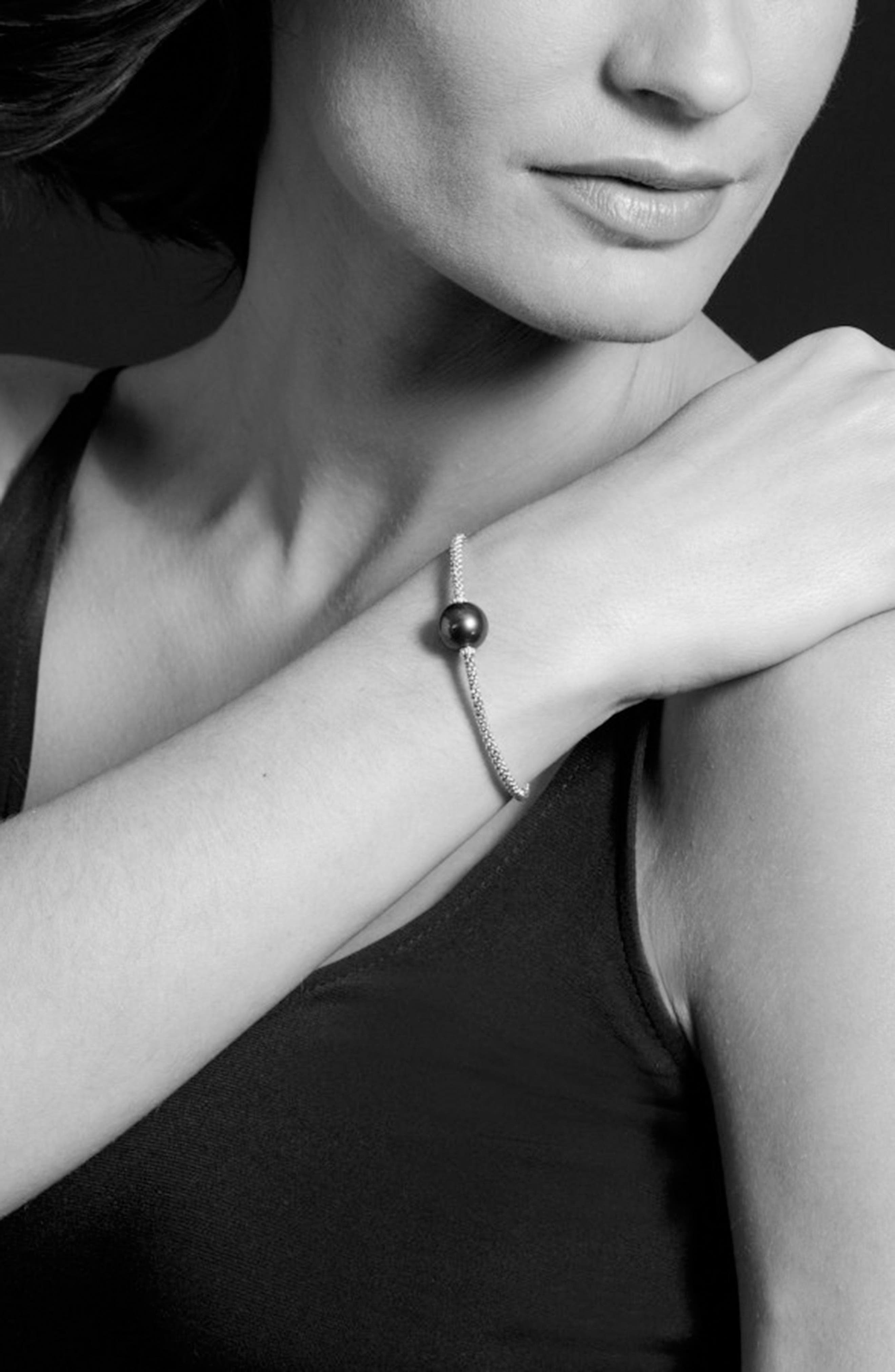Luna Pearl Single Station Bracelet,                             Alternate thumbnail 4, color,                             Black Pearl