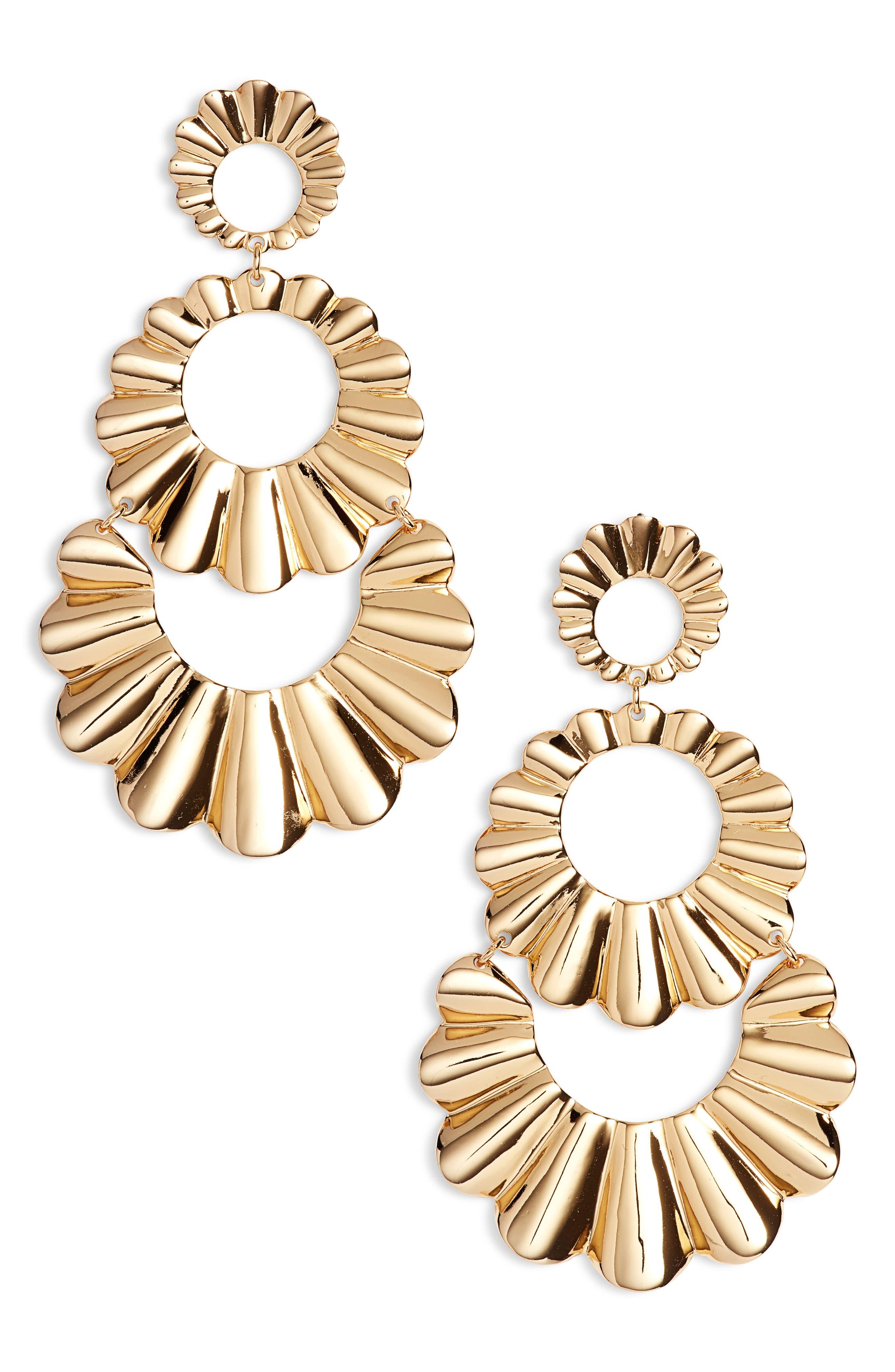 scrunch scallops triple drop earrings,                         Main,                         color, Gold