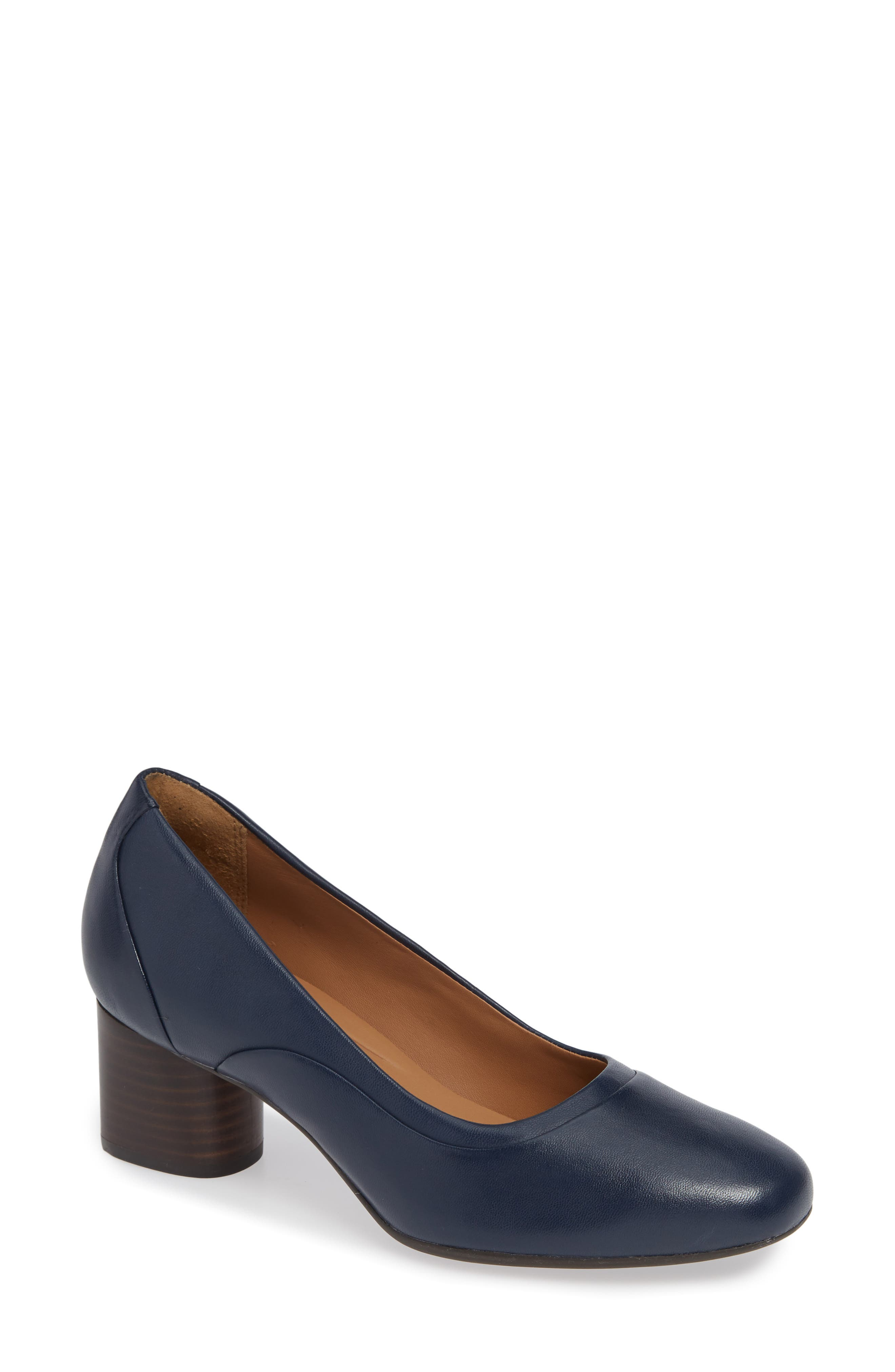 Un Cosmo Step Pump,                         Main,                         color, Navy Leather