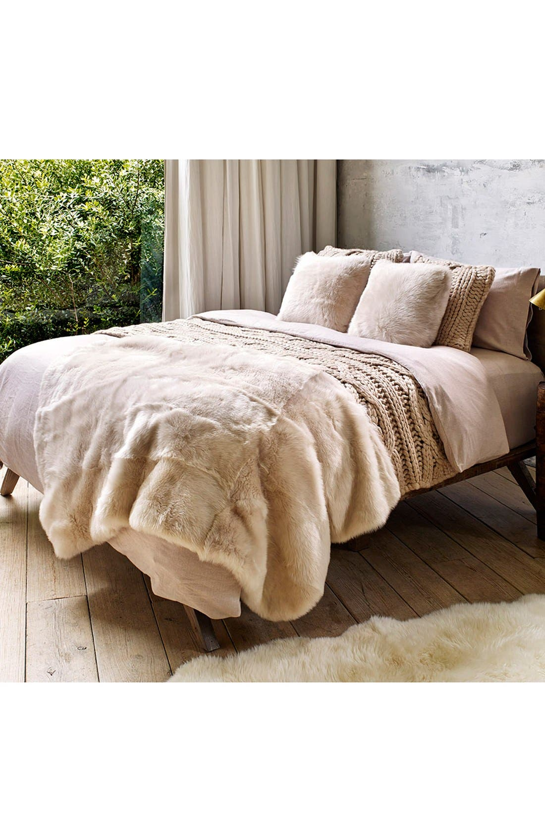 Alternate Image 3  - UGG® Oversize Knit Pillow