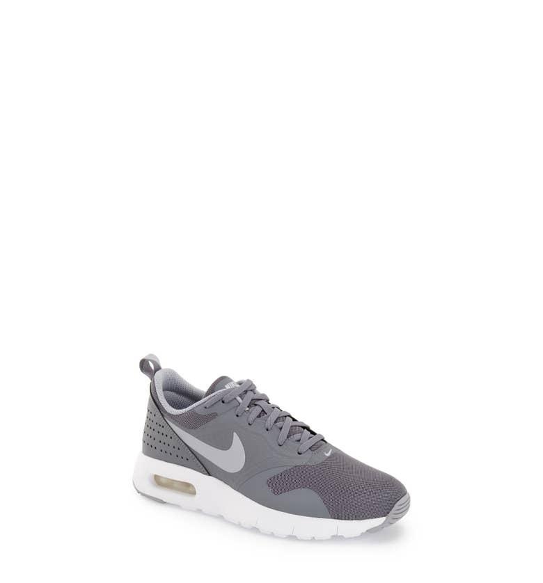 Nike Mens Air Max Tavas Sneaker