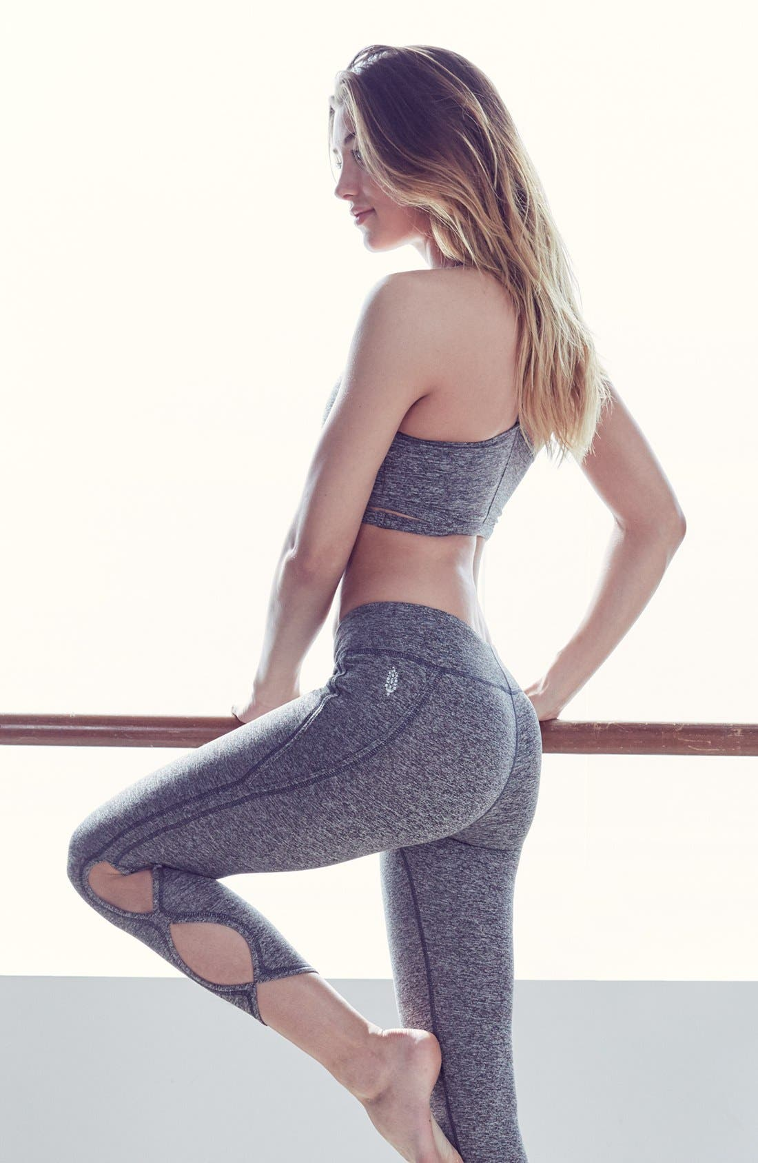Alternate Image 6  - Free People FP Movement Infinity Cutout Crop Leggings