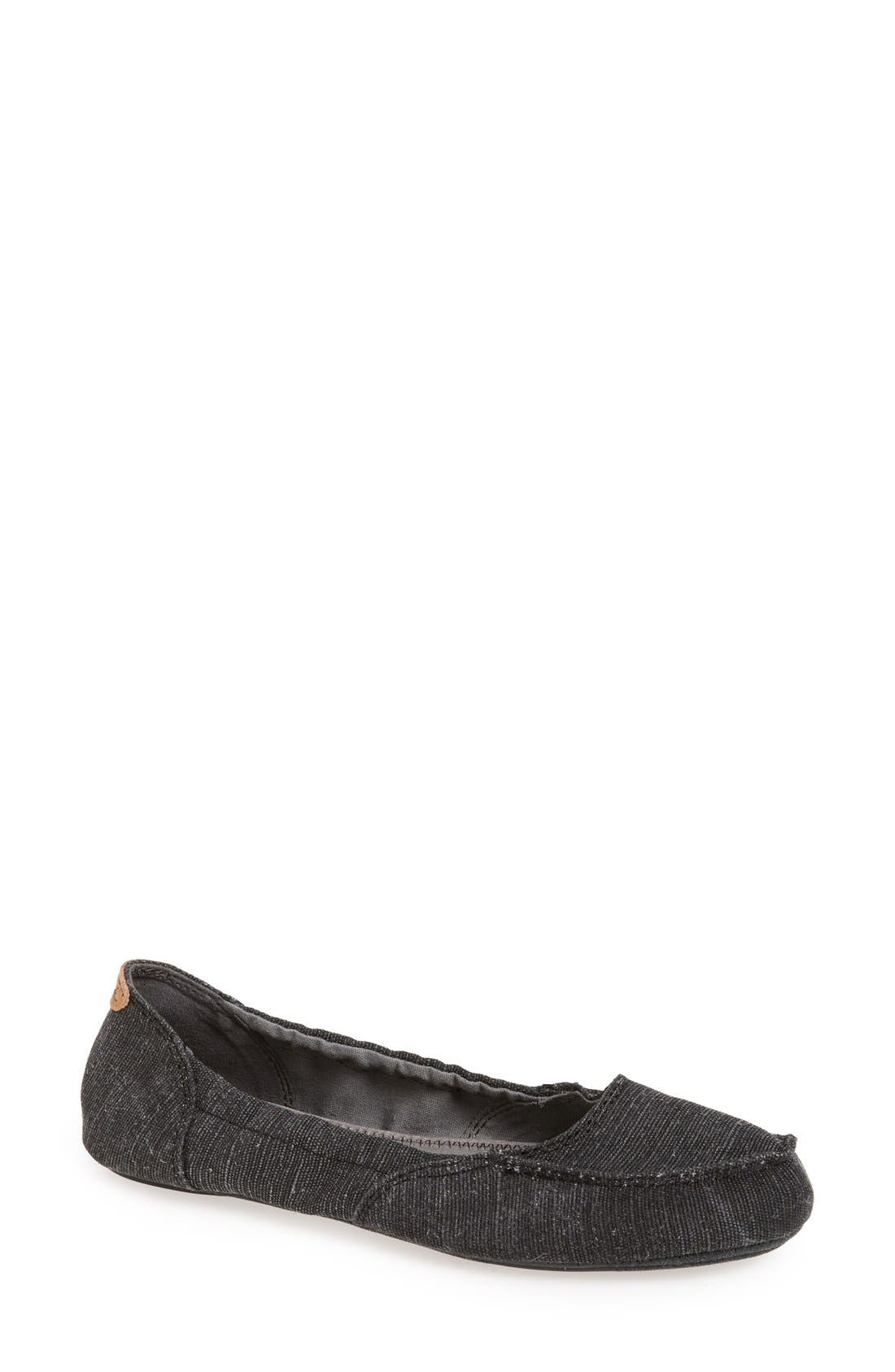 'Elle V Eight' Flat,                         Main,                         color, Black
