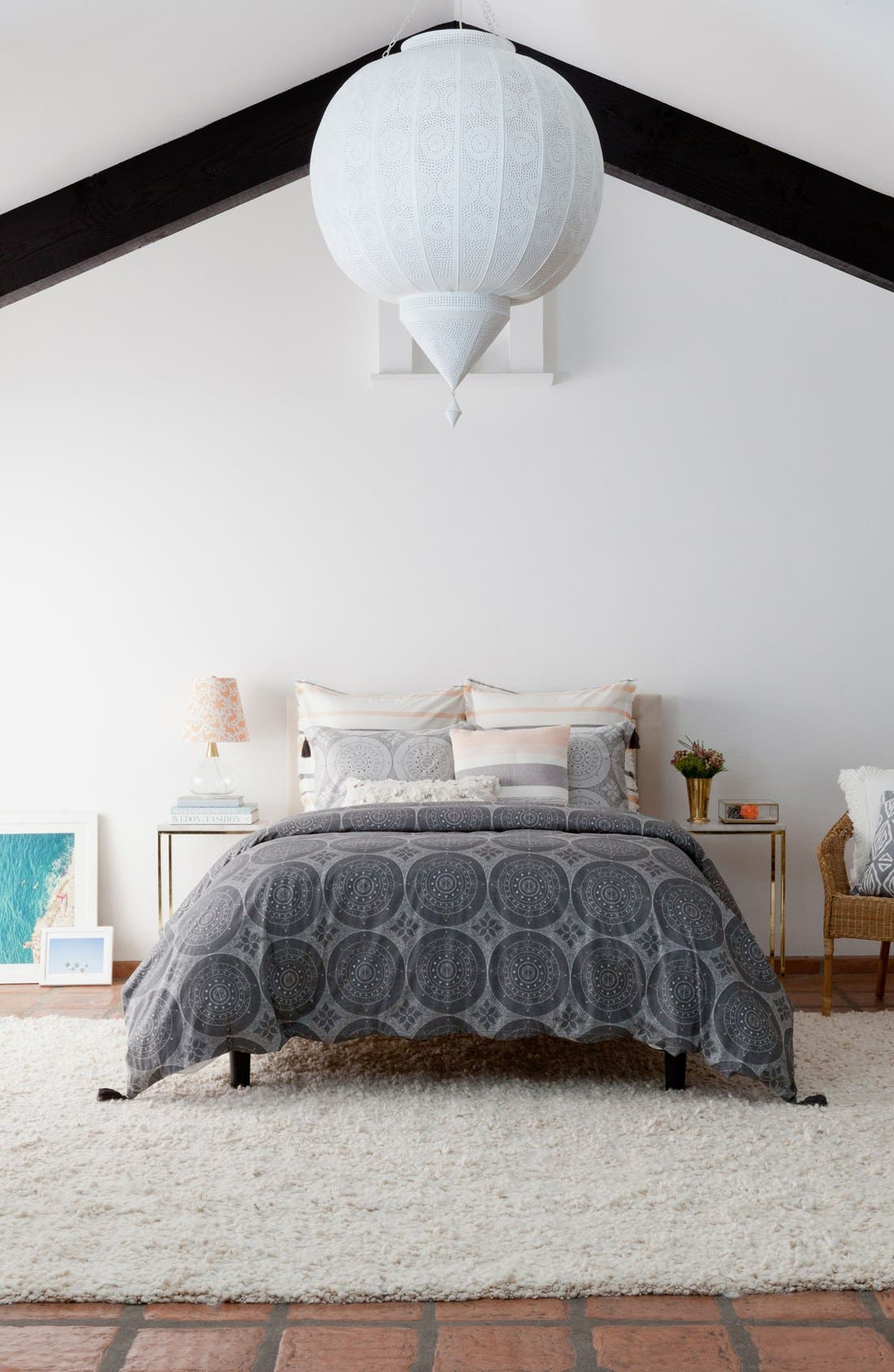 Alternate Image 2  - cupcakes and cashmere Dotted Medallion Duvet Cover