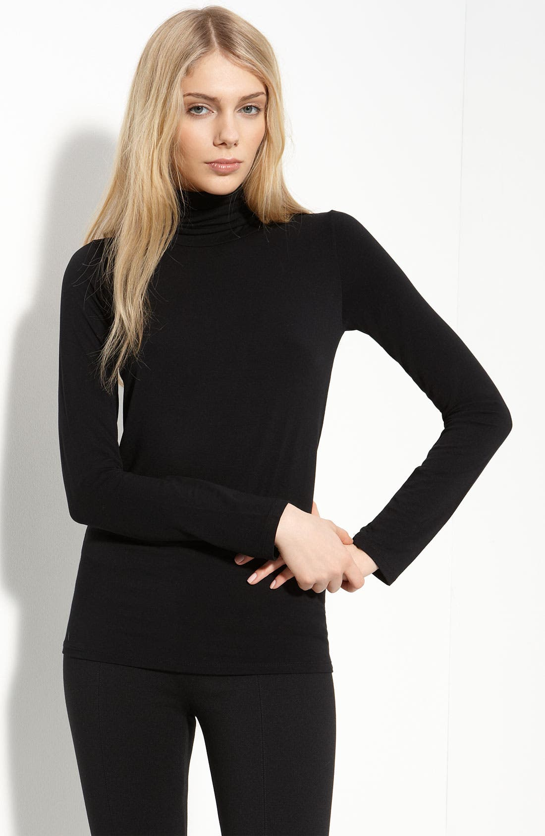 Main Image - Majestic Solid Knit Turtleneck