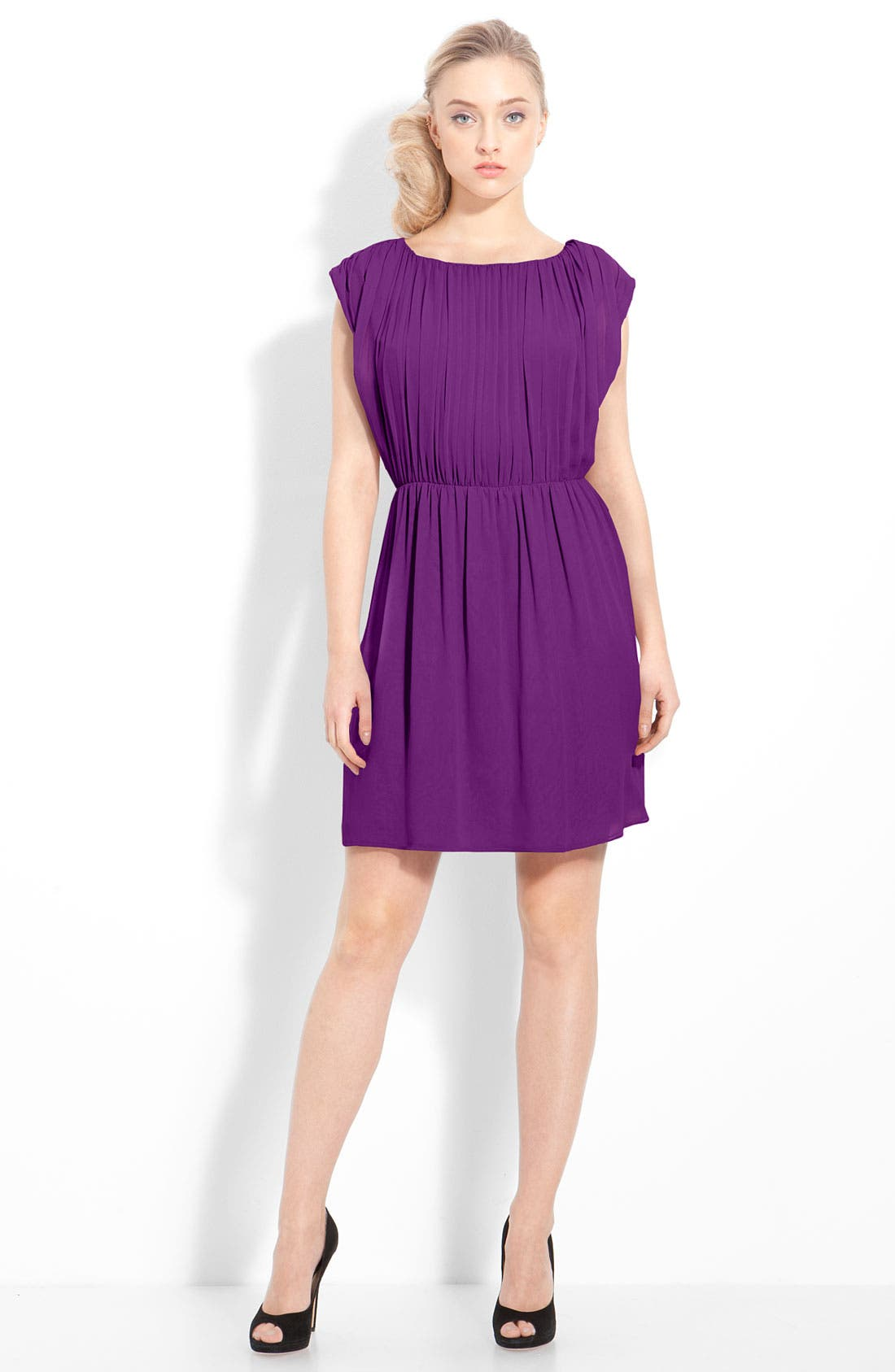 Alternate Image 1 Selected - Alice + Olivia 'Josie' Ruched Chiffon Dress