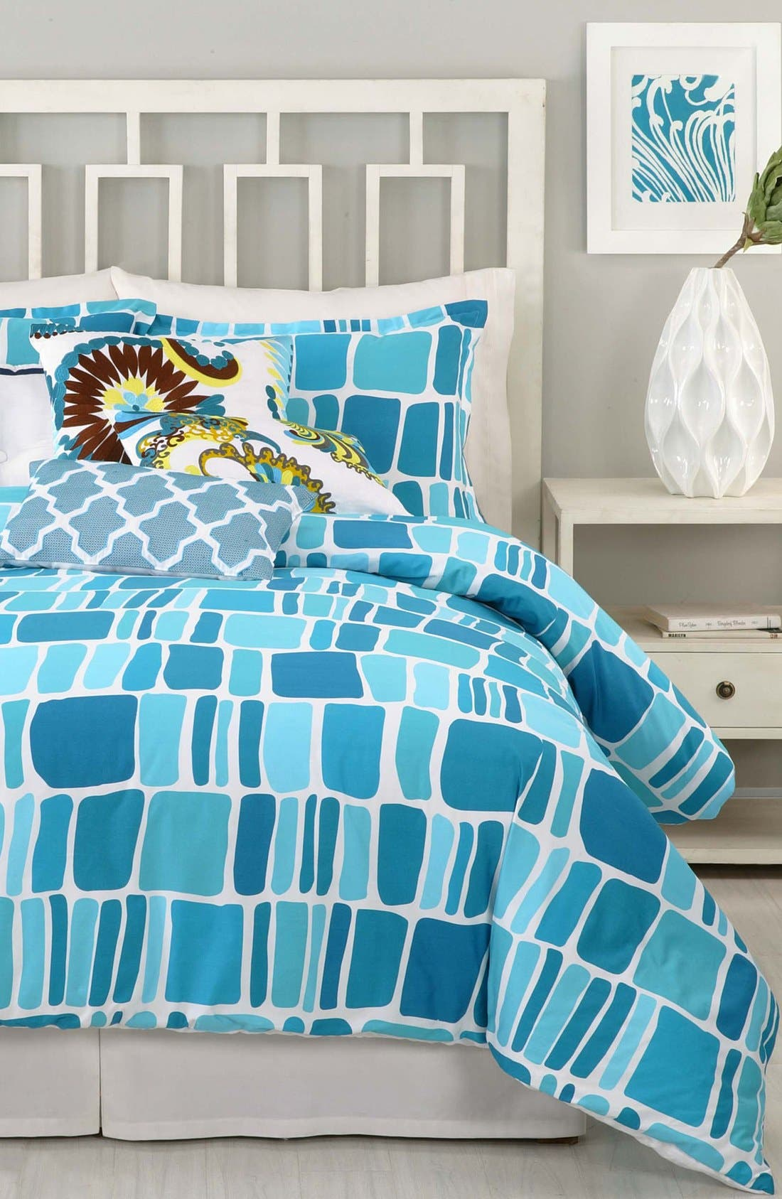 Main Image - Trina Turk 'Stones' Comforter & Shams (Online Only)