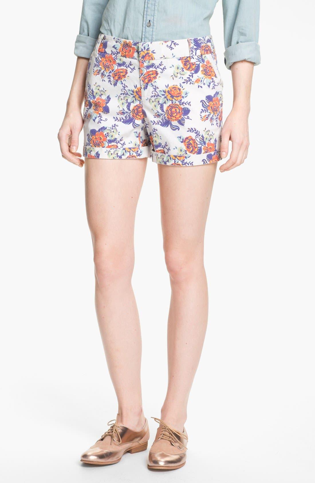 Main Image - Caslon® Clean Front Five-Inch Shorts (Petite)