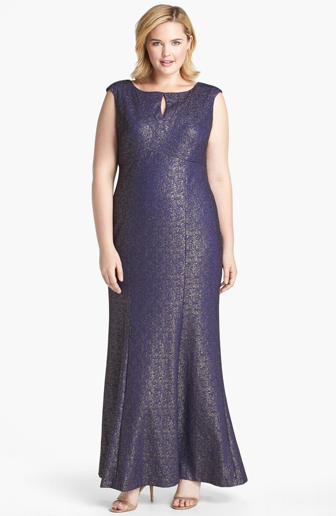 Main Image - Kay Unger Metallic Lace Gown (Plus Size)