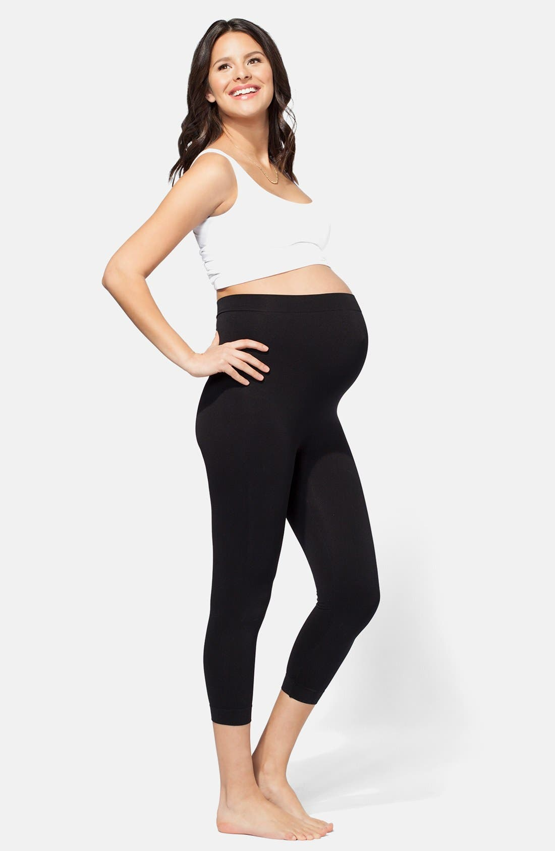 Alternate Image 7  - Ingrid & Isabel® Seamless Maternity Capri Leggings
